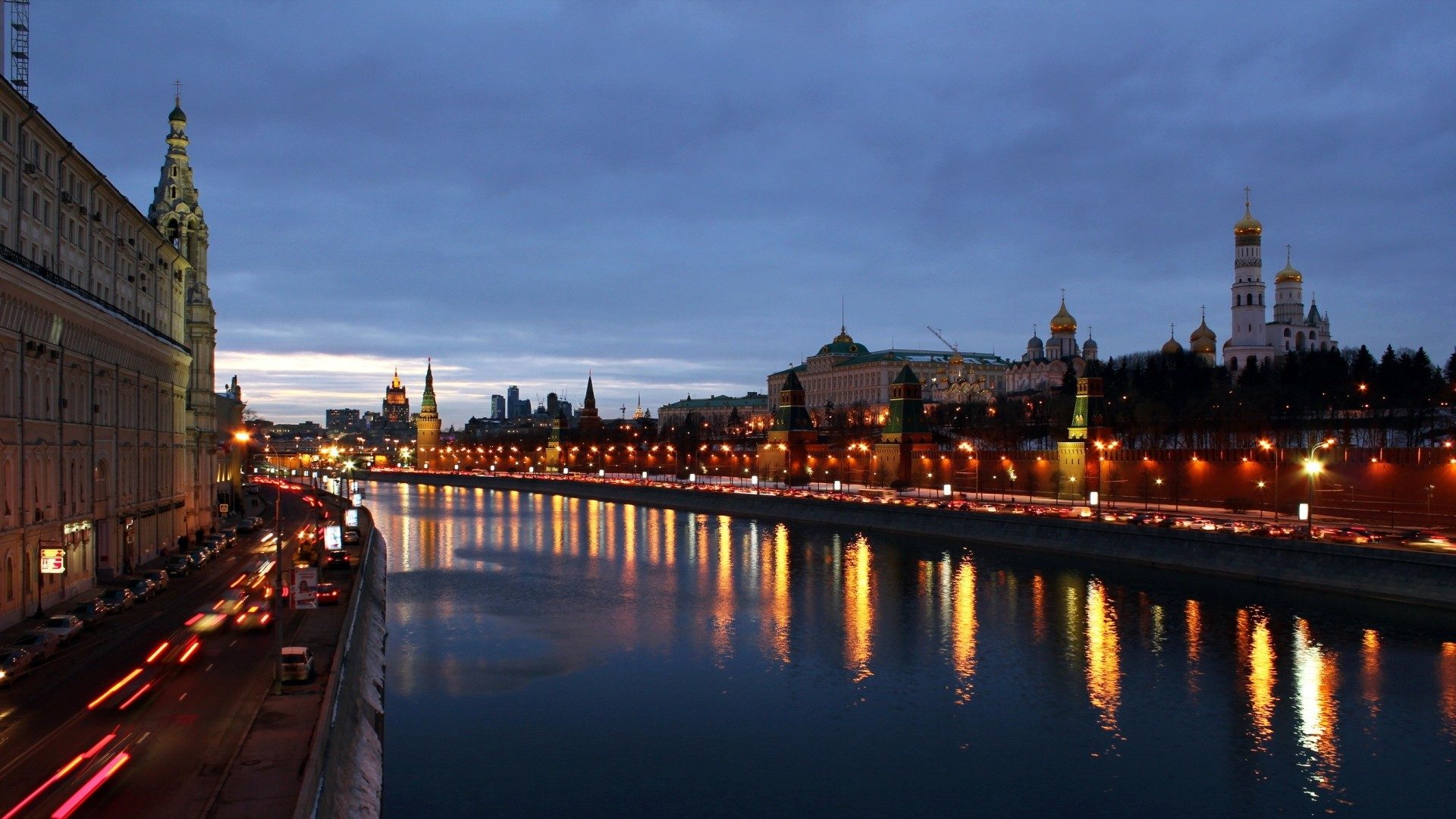 Preview wallpaper moscow, night, russia, archangel cathedral, cathedral of  the annunciation,