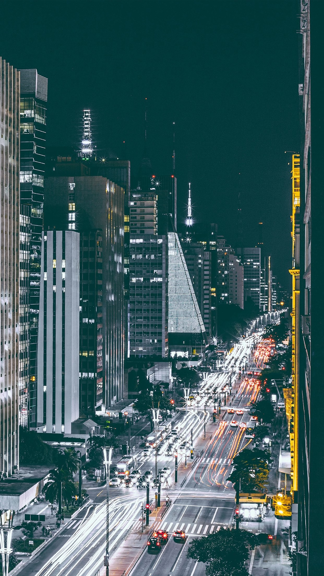 cool city-night-view-urban-street iphone6-plus-wallpaper