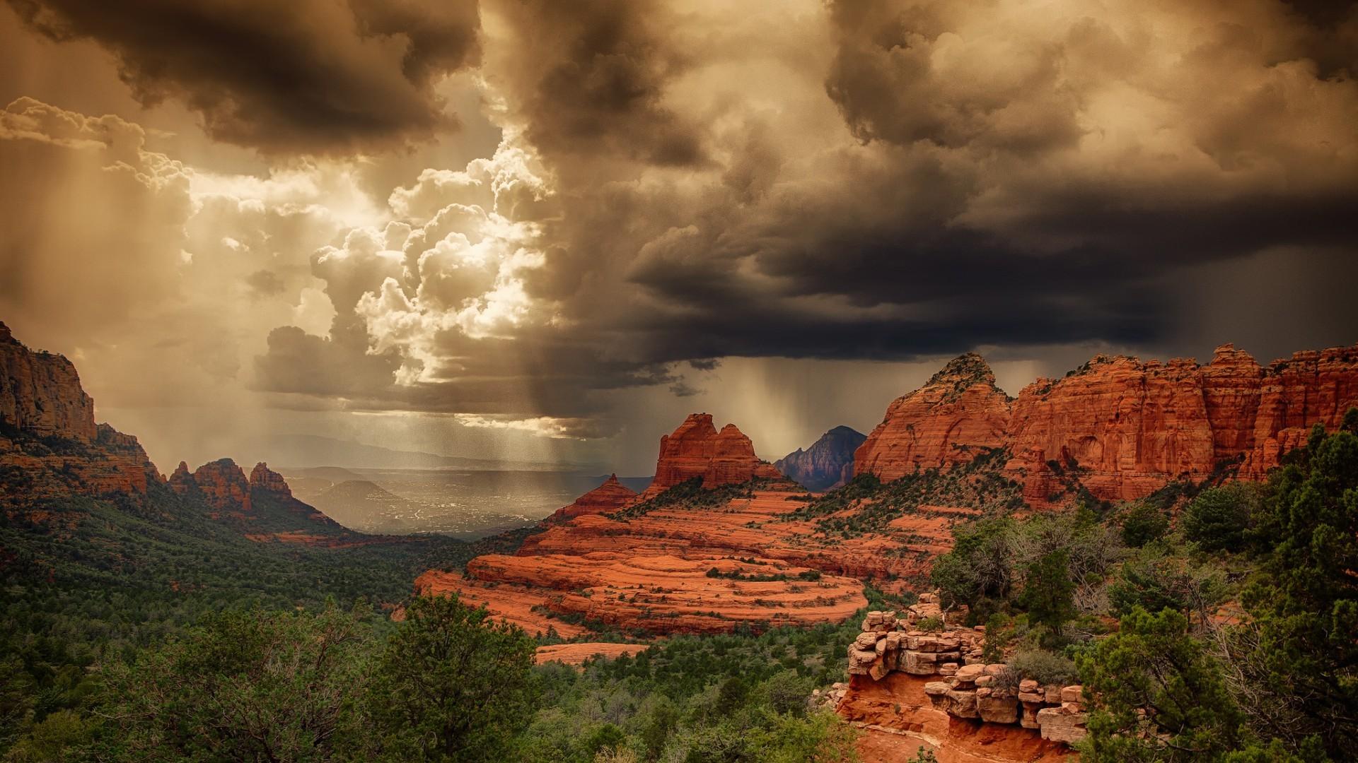 Desktop wallpapers Storm clouds over the red rocks of Sedona, Arizona .