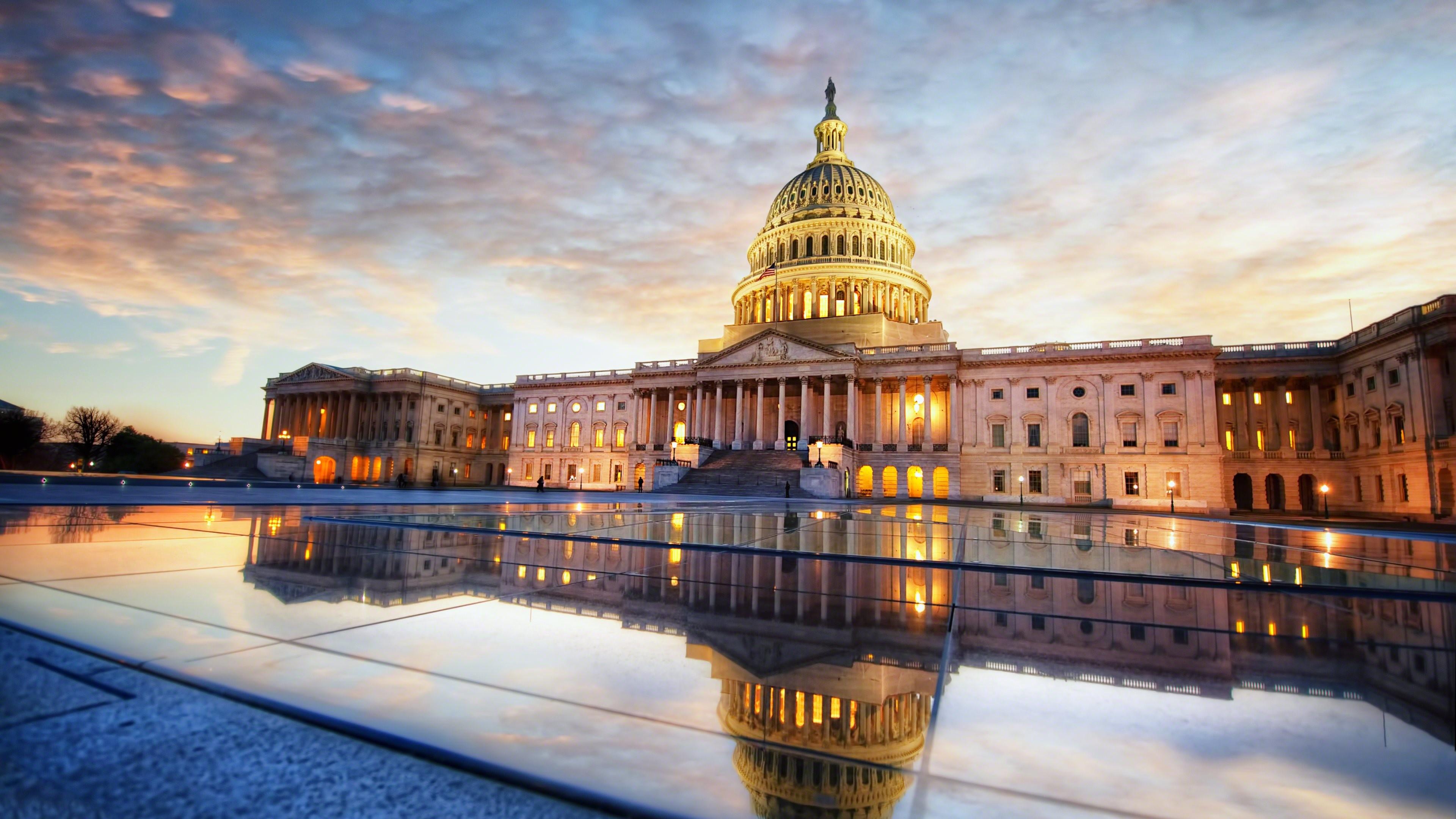 Wallpaper: U.S. Capitol Sunrise Reflection