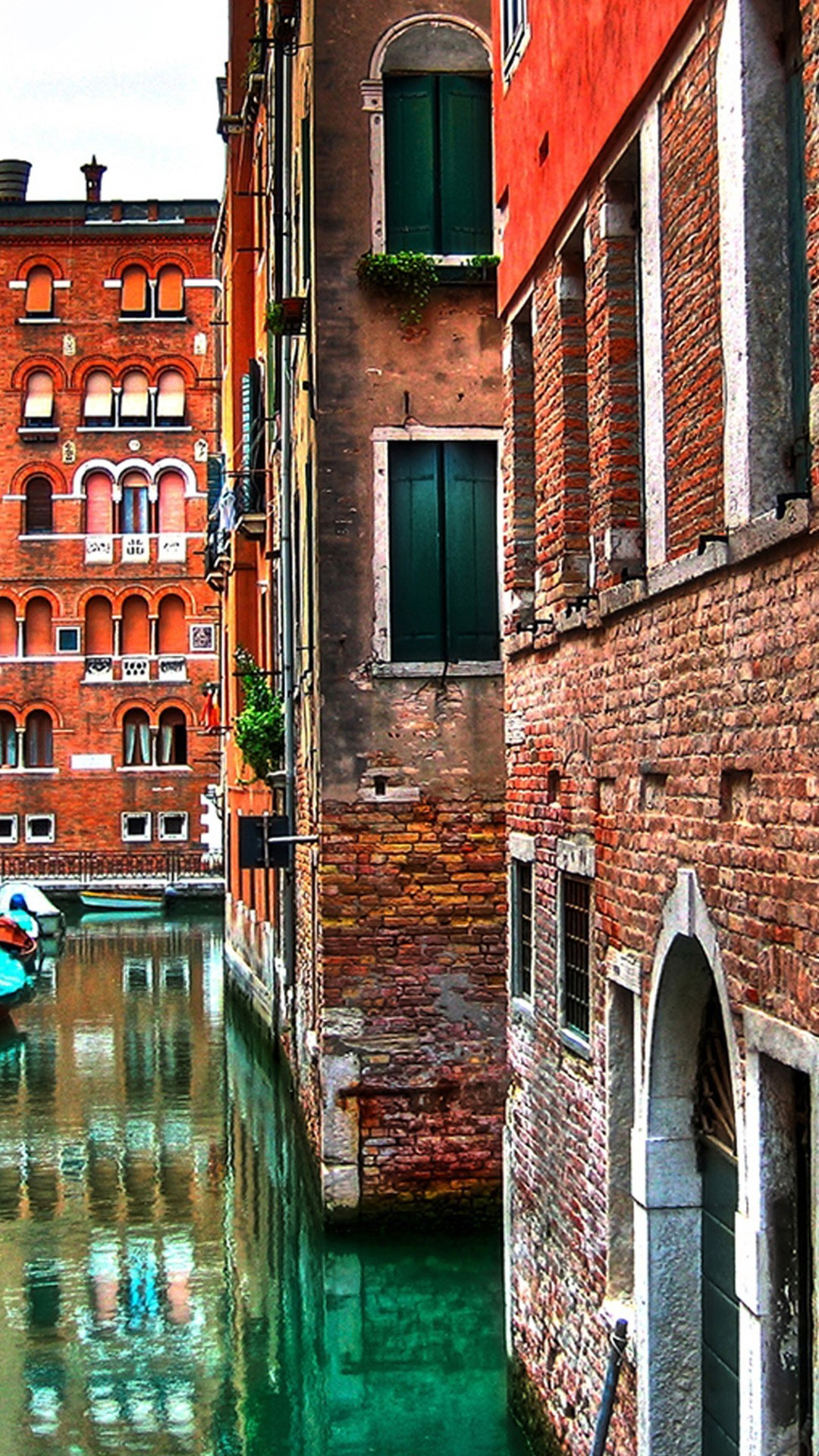 Architecture iPhone 6 Plus Wallpapers – Venice Street Buildings Red Brick  iPhone 6 Plus HD Wallpaper