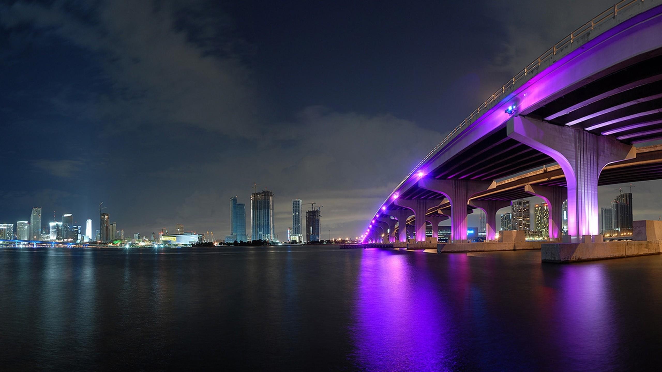 Preview wallpaper miami, night, bridge, building, ocean 2560×1440
