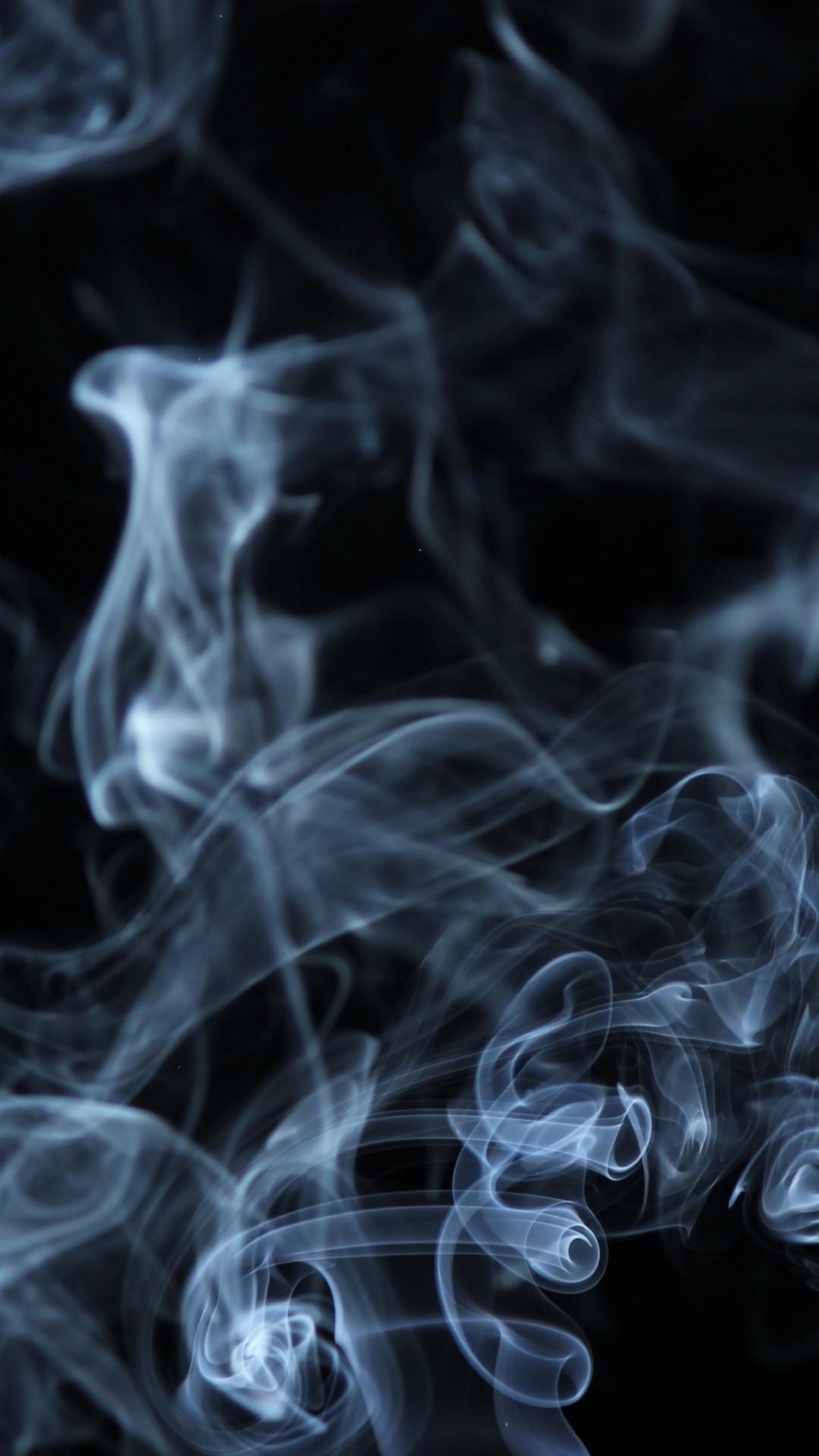 4K HD Wallpaper 2: Smoke on Black Background