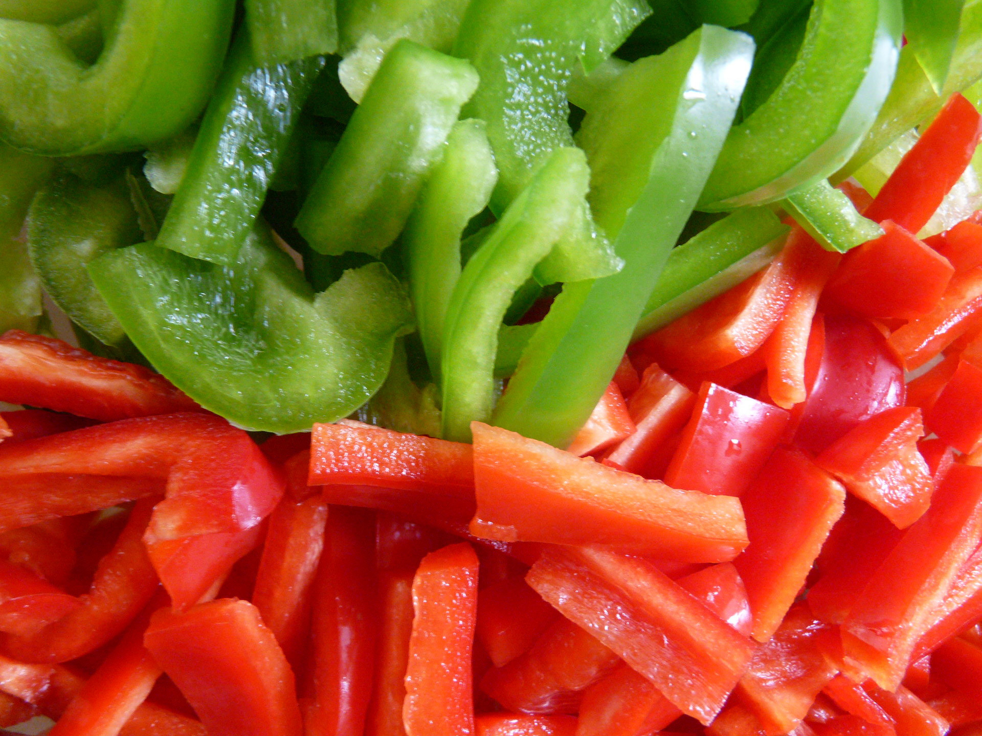 HD Red And Green Peppers Widescreen Wallpaper