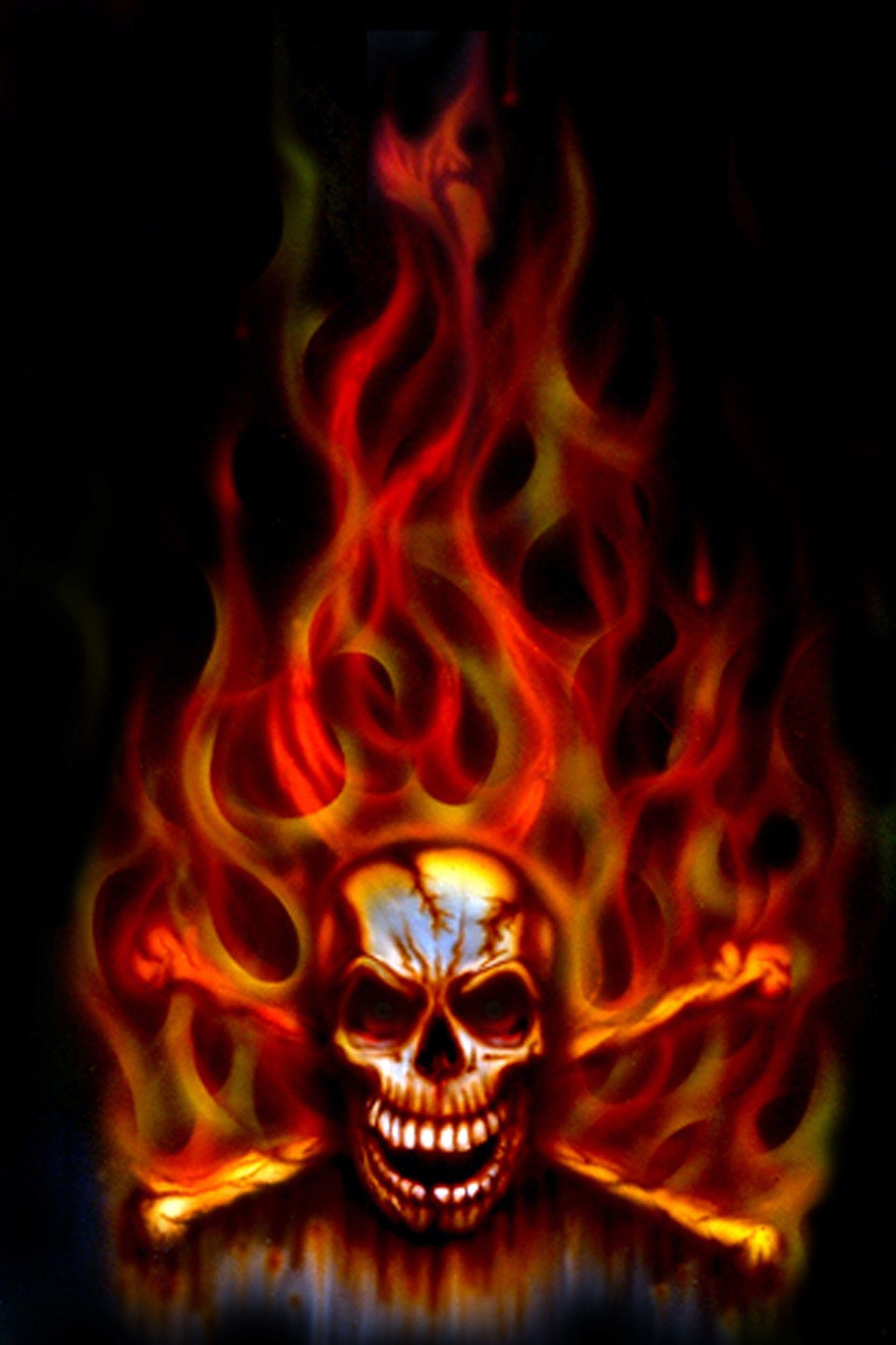 Download <b>green flame skull</b> 240 X 320 <b