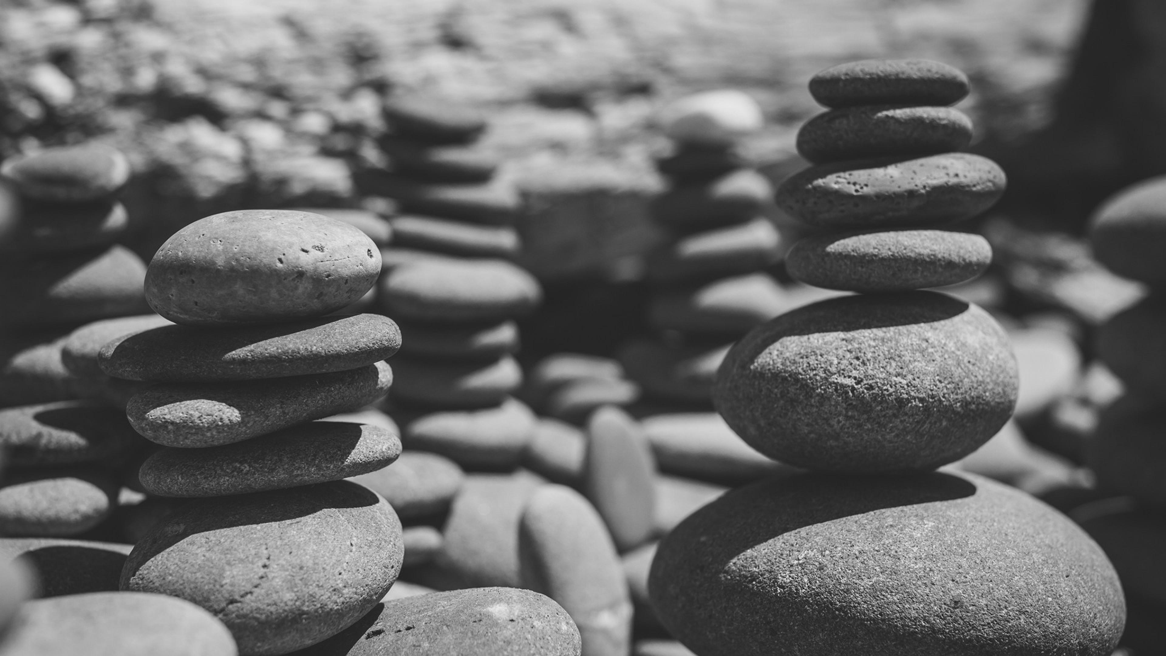 Wallpaper stones, sea, black and white