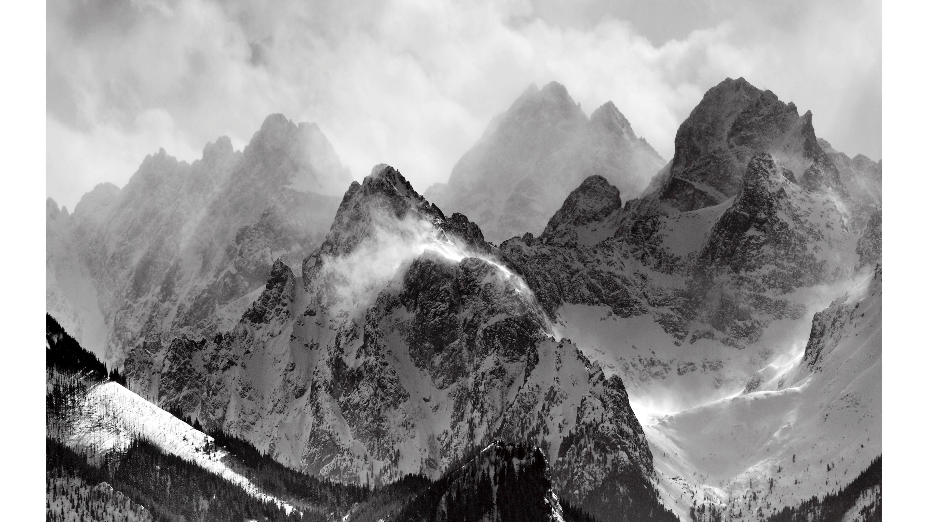 Black and White 4K Mountains Wallpaper