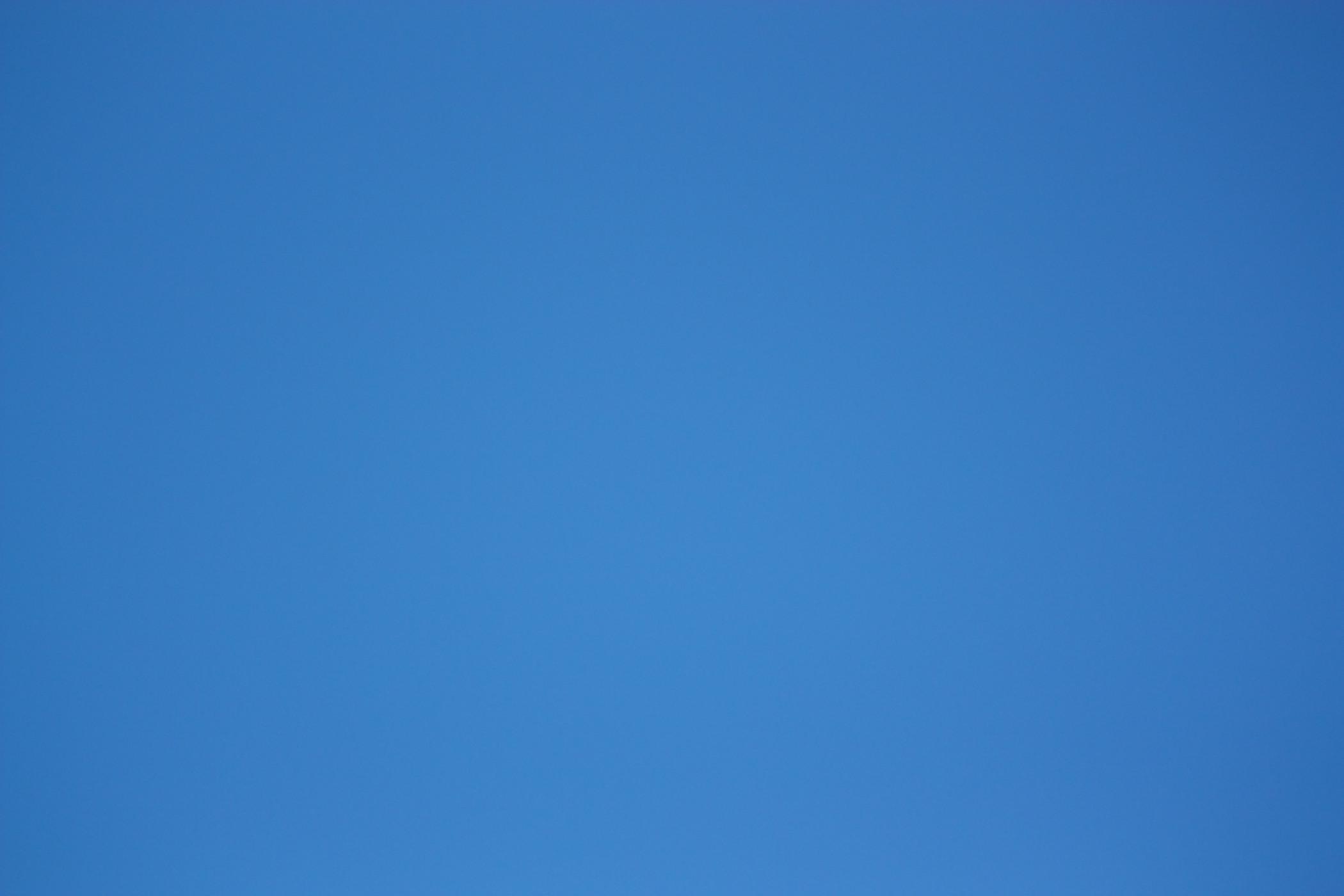 10. plain-blue-wallpaper2-600×400