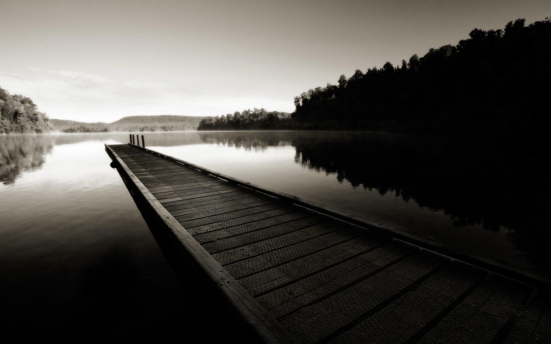 Black and White Dock desktop wallpaper