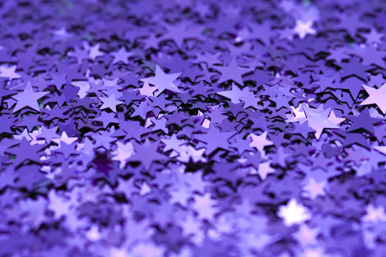 Download Original image of purple glitter backdrop [1116kB]