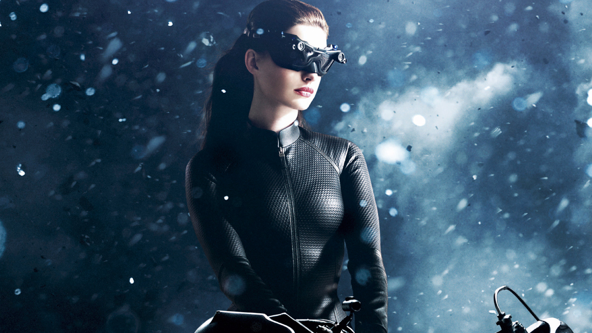 Anne Hathaway – Catwoman Wallpaper – 6