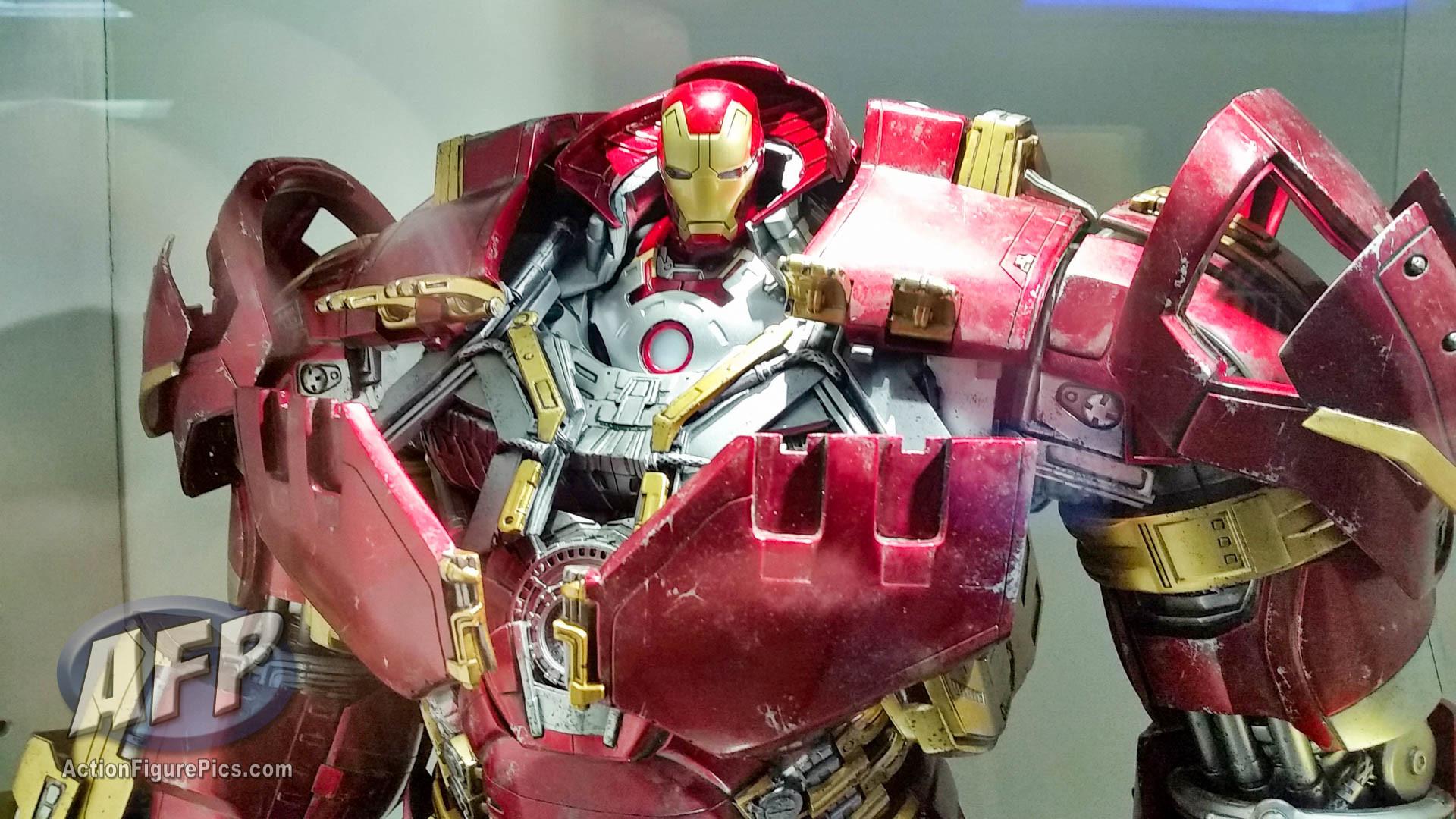 Hot Toys Secret Base (Hong Kong) Avengers Age of Ultron Hulkbuster Iron Man  and Hulk (4 of 6)
