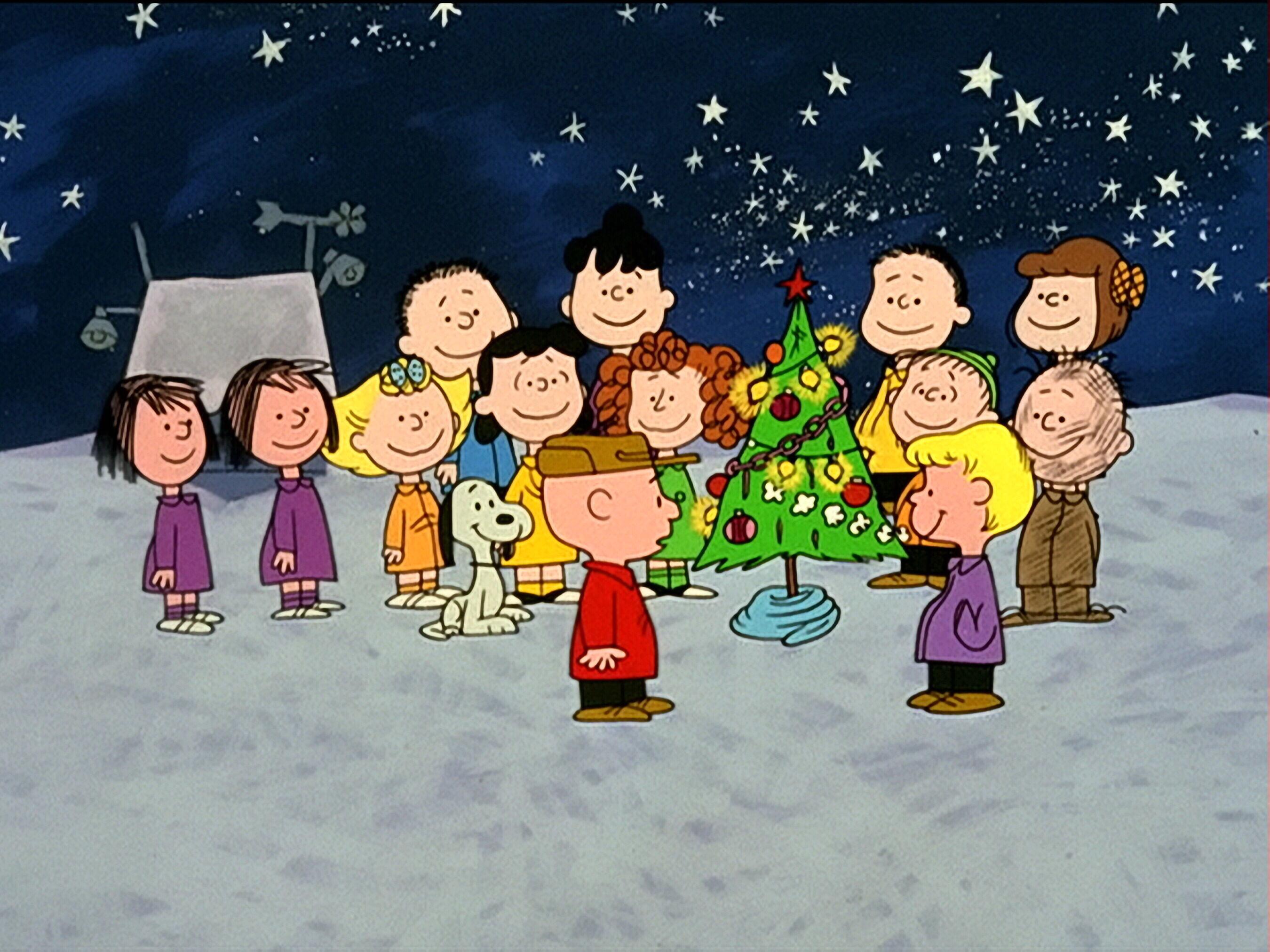 *Peanuts Gang Decorated Tree HD 2700×2025*
