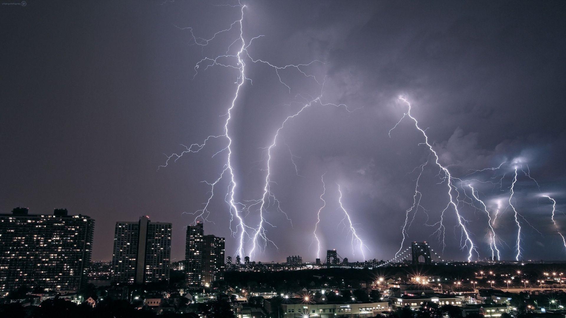 Download Lightning Wallpaper Images #k61i >