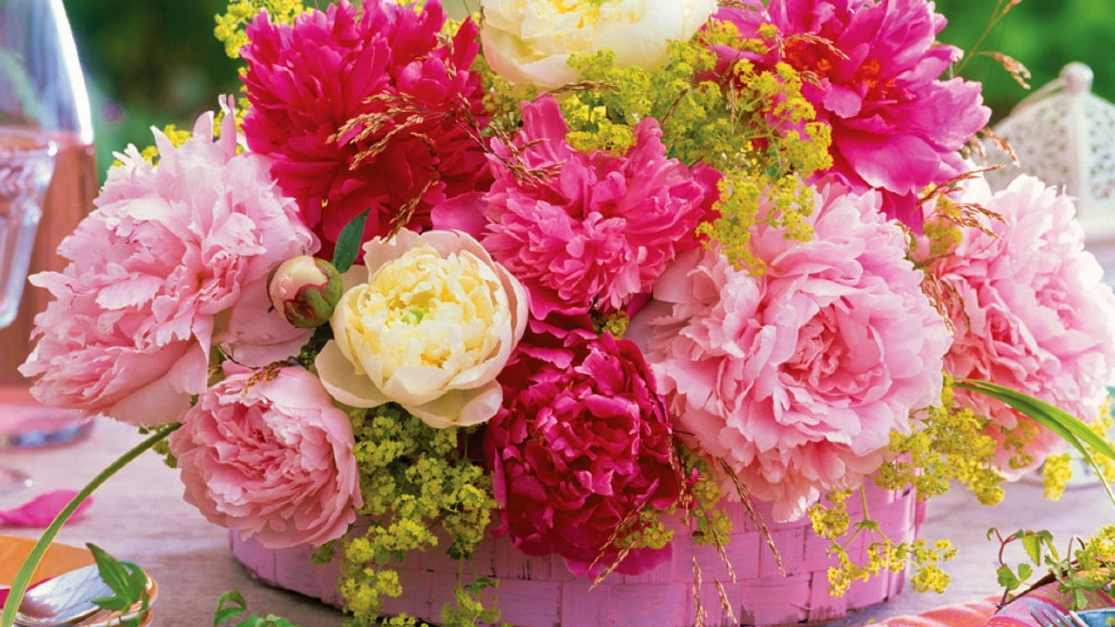 Preview wallpaper peonies, flower, basket, table, serving 3840×2160