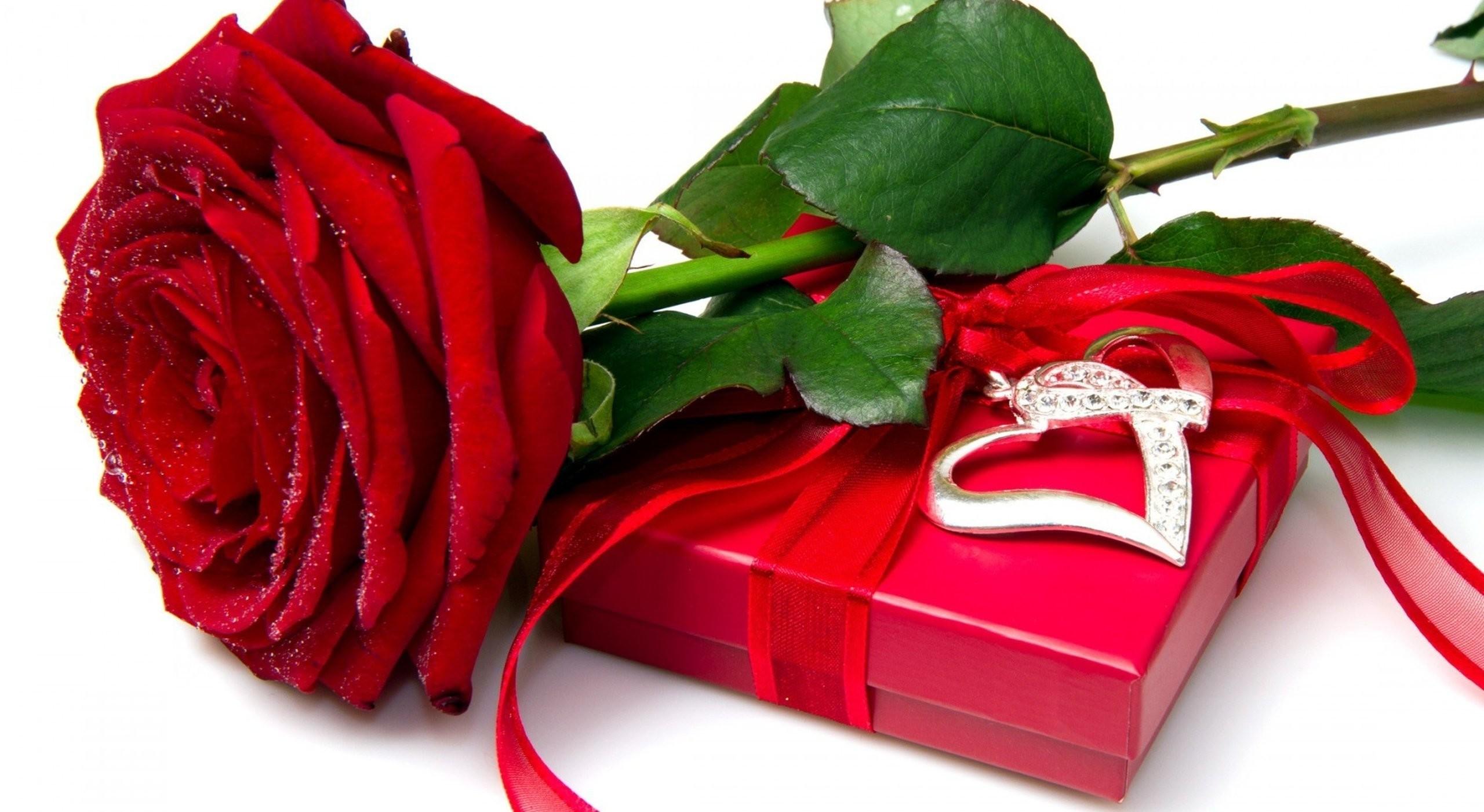 Red rose heart love flower box wallpaper | | 478327 | WallpaperUP
