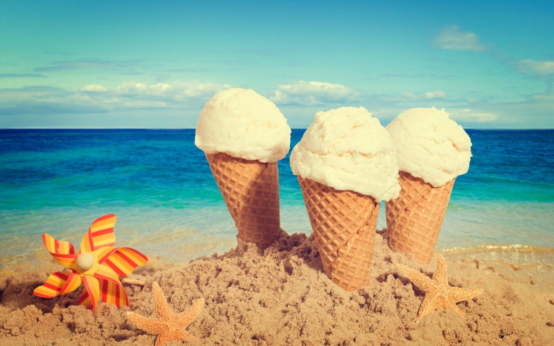 Ice Cream Cones wallpapers and stock photos