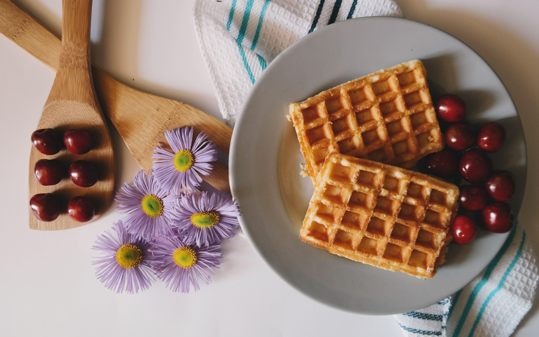 4K HD Wallpaper: Waffles and Cherries🍒