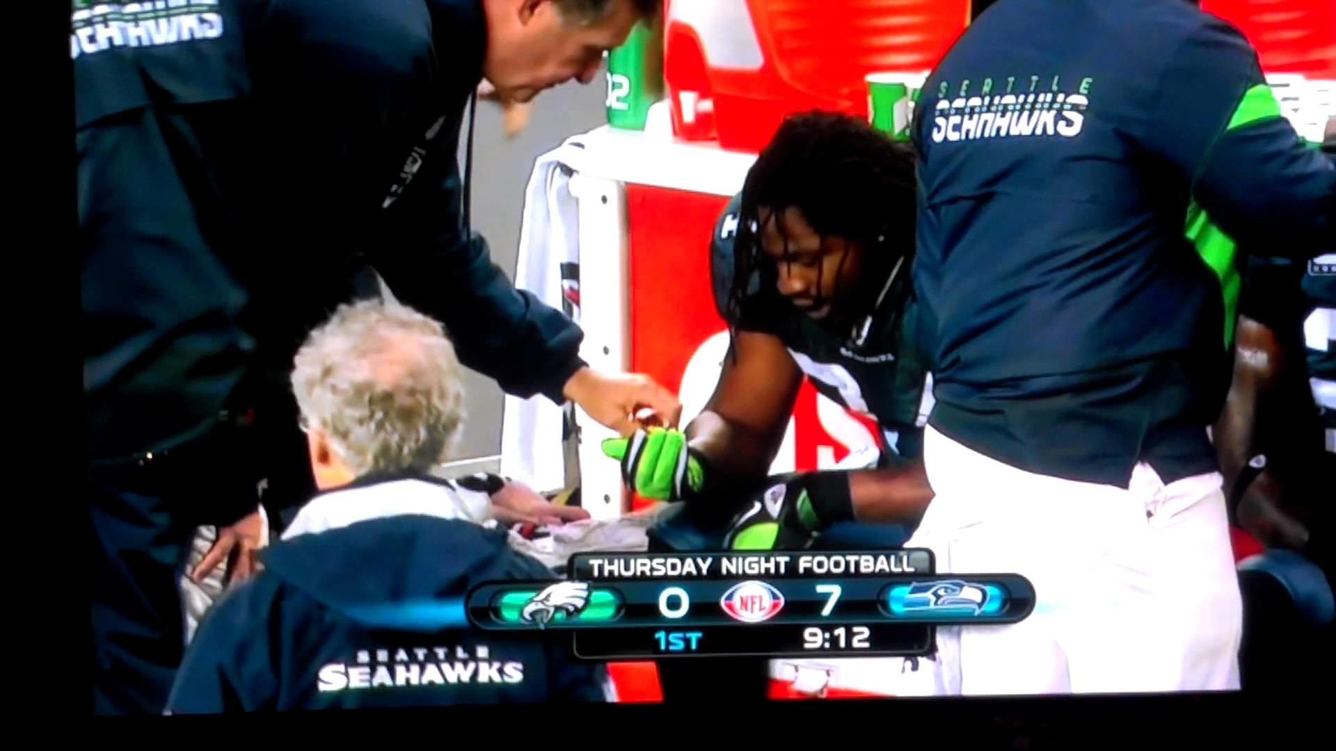 Displaying 19> Images For – Marshawn Lynch Skittles Touchdown.