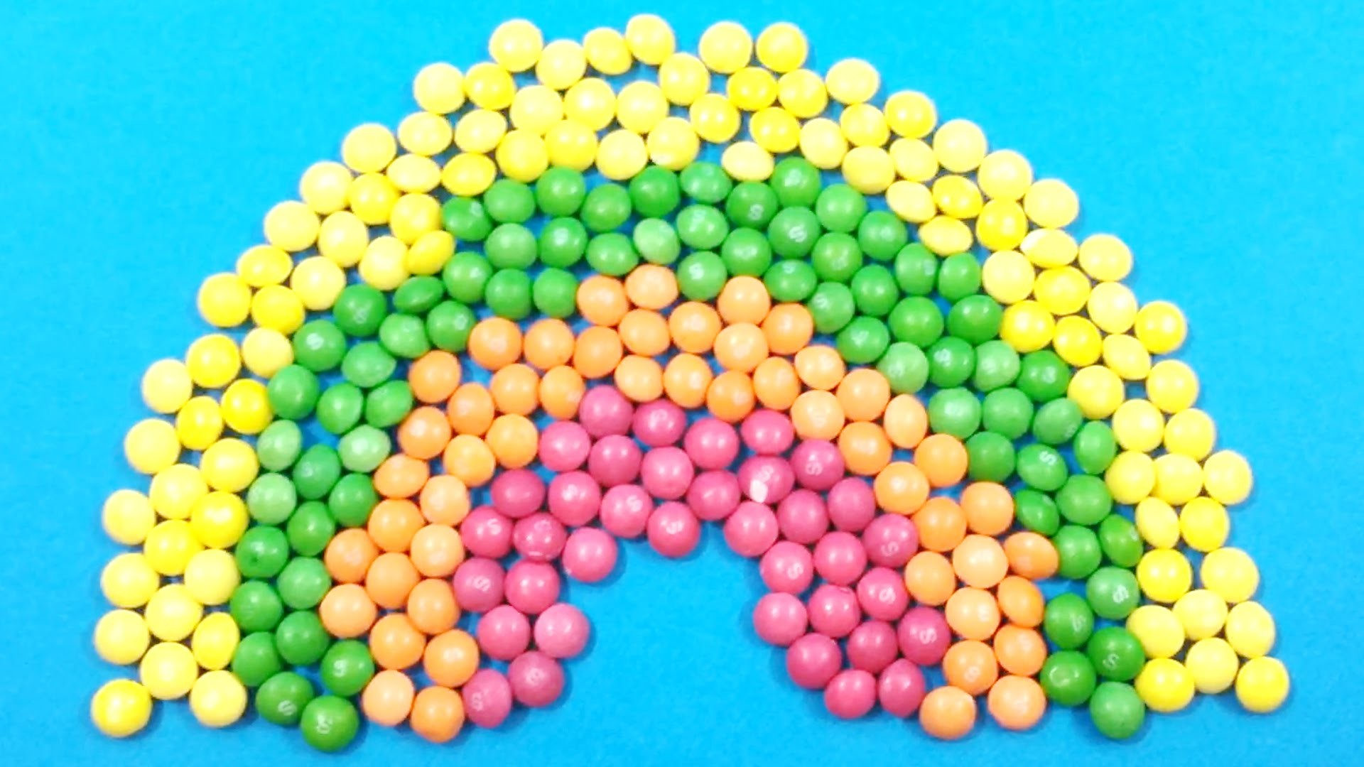 Learn Colours with Mini Skittles Candy Rainbow and Surprise Balls! Lesson 1