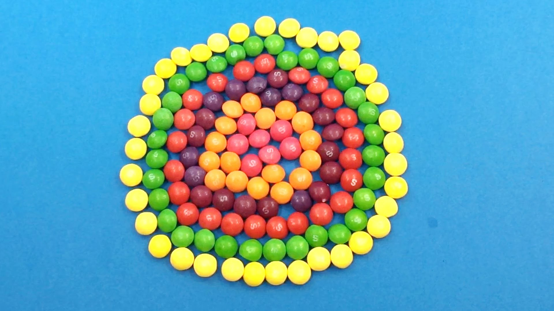 Learn Colours with Skittles LOT OF CANDY Circle and Surprise Balls! Lesson 2