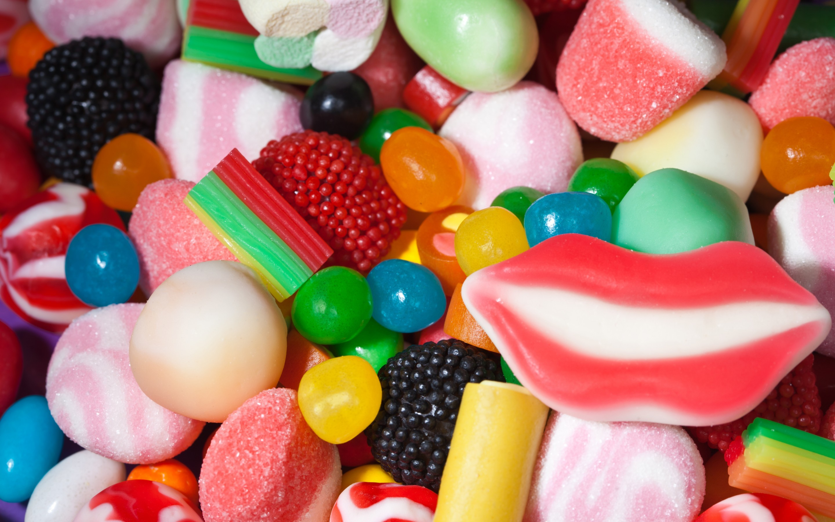 Attachment for 37 Cute Stuff Wallpapers – Marshmallow and Colorful Candy