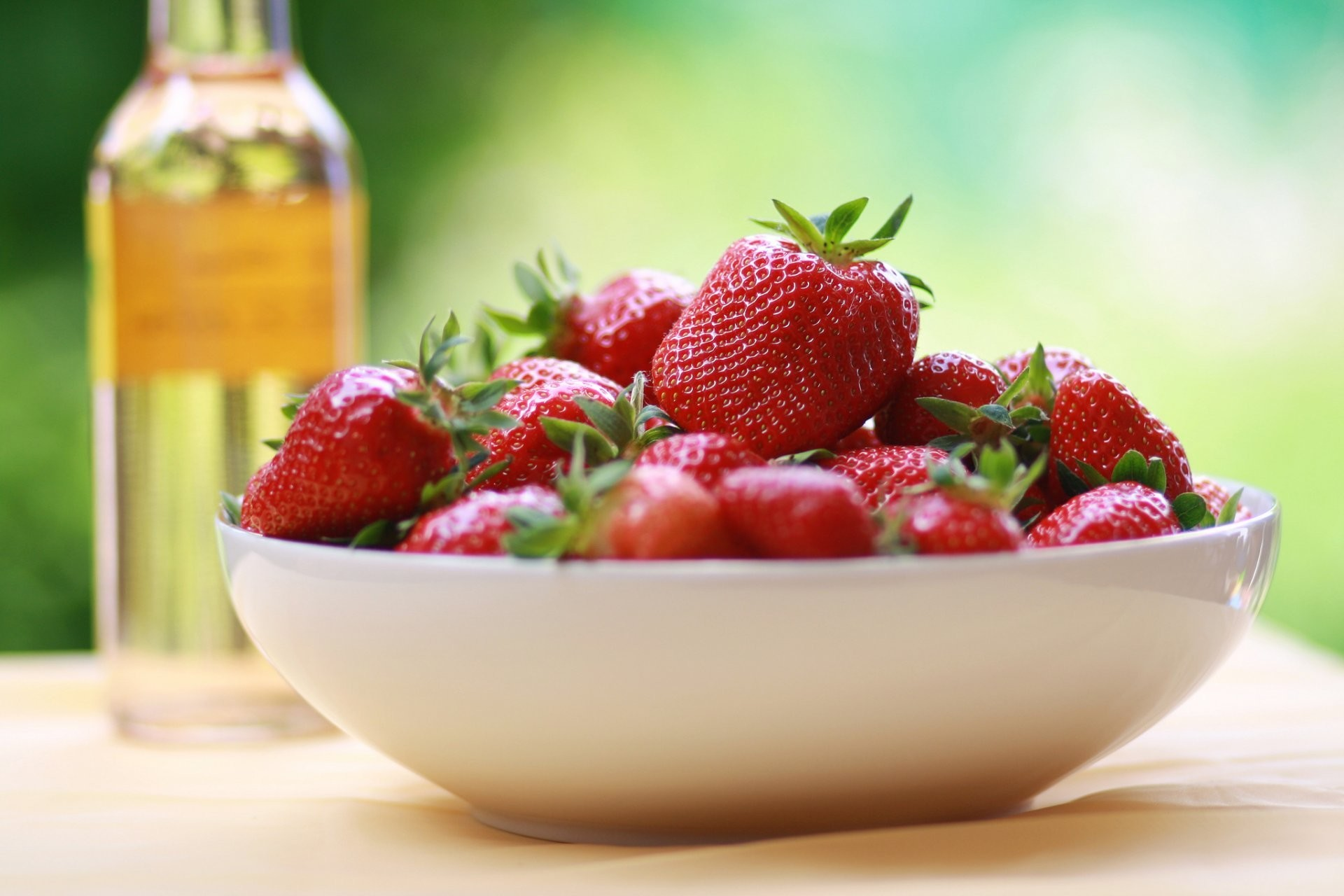 food berry strawberry red dish background wallpaper widescreen full screen  widescreen hd wallpapers background wallpaper widescreen