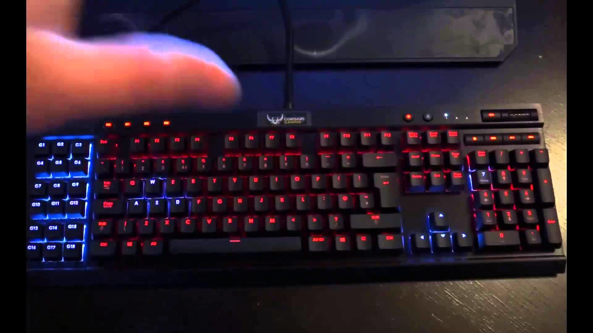 Corsair Vengeance K95 RGB Backlit Mechanical Keyboard – Review and Unboxing  – YouTube
