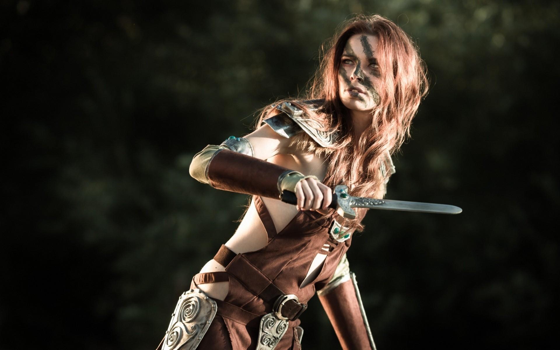 Aela The Huntress Daggers Dragonborn Freckles Redheads Elder Scrolls V  Skyrim Warriors Women