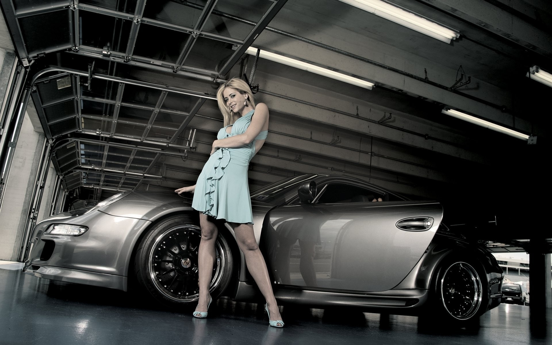 Girls_Beautyful_Girls_Beautiful_girl_and_car_022846_.jpg