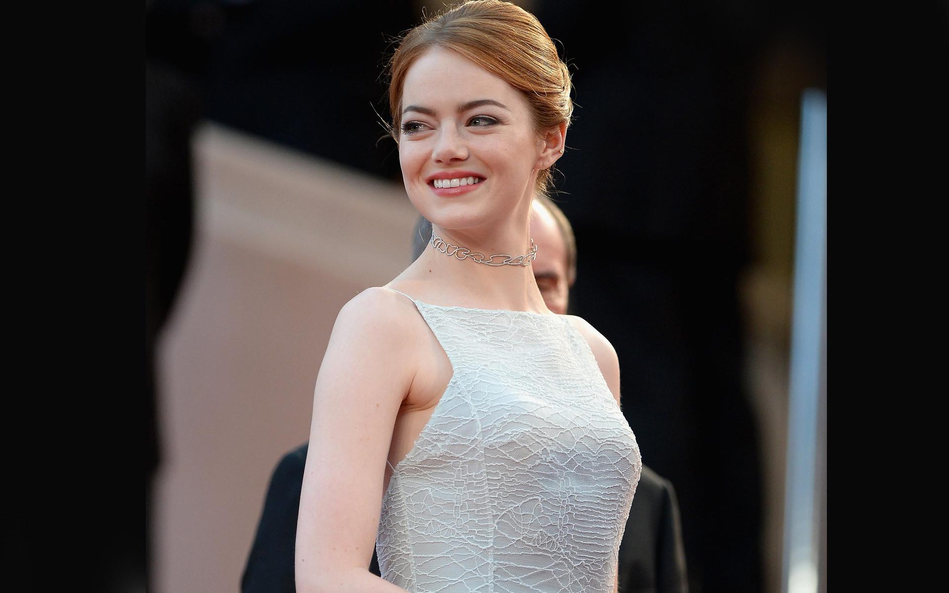 Download Emma Stone Smiling