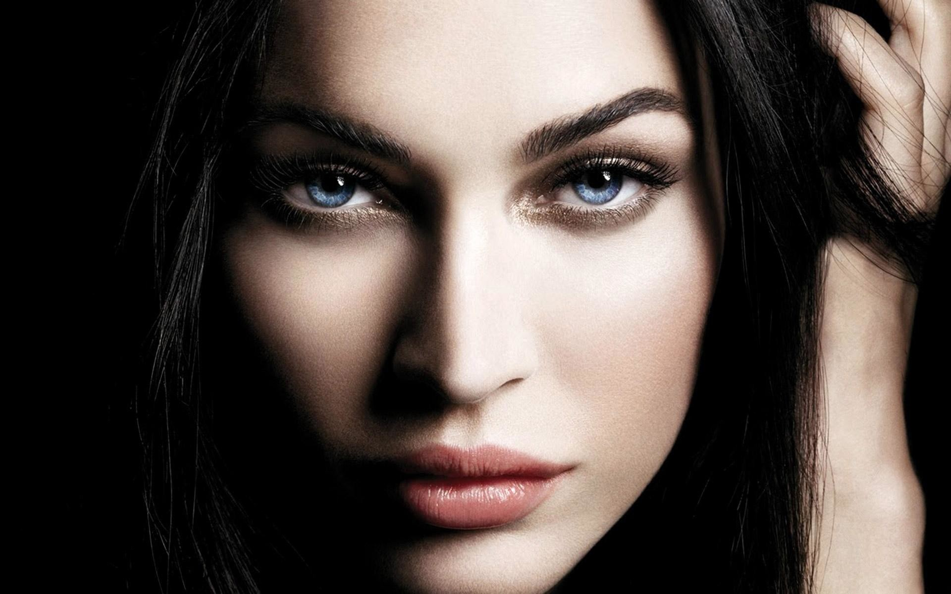 File name: Beautiful-Women-Faces-Wallpaper.jpeg. File type: image/jpeg.  Uploaded on: 20 August 2015. File size: 195 kB. Dimensions: 1920 × 1200