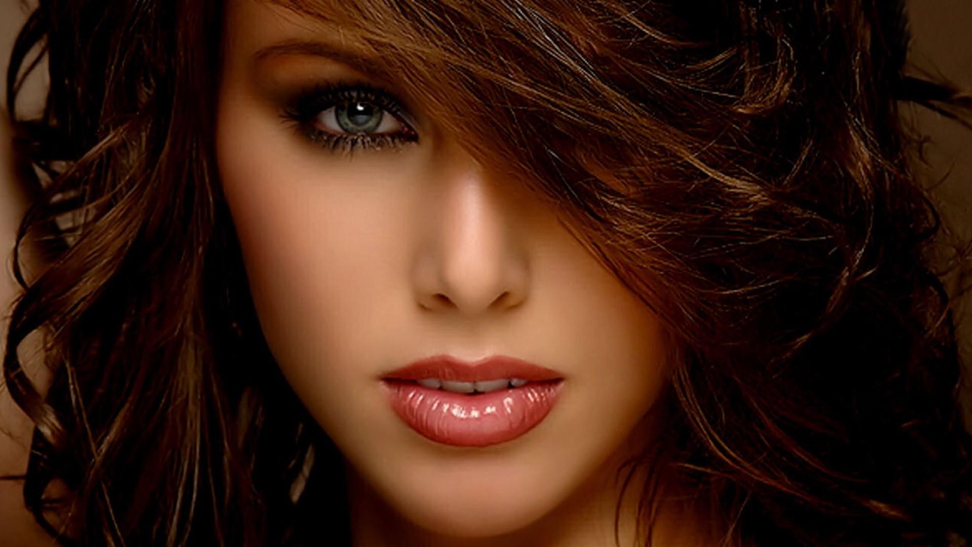 Beautiful Face Wallpaper