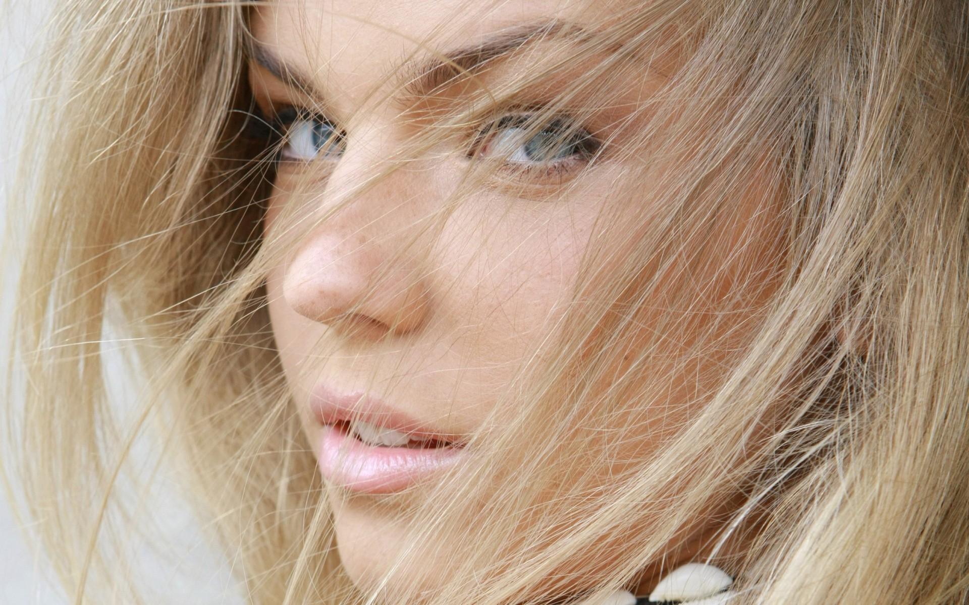 Beautiful Female Face Wallpapers