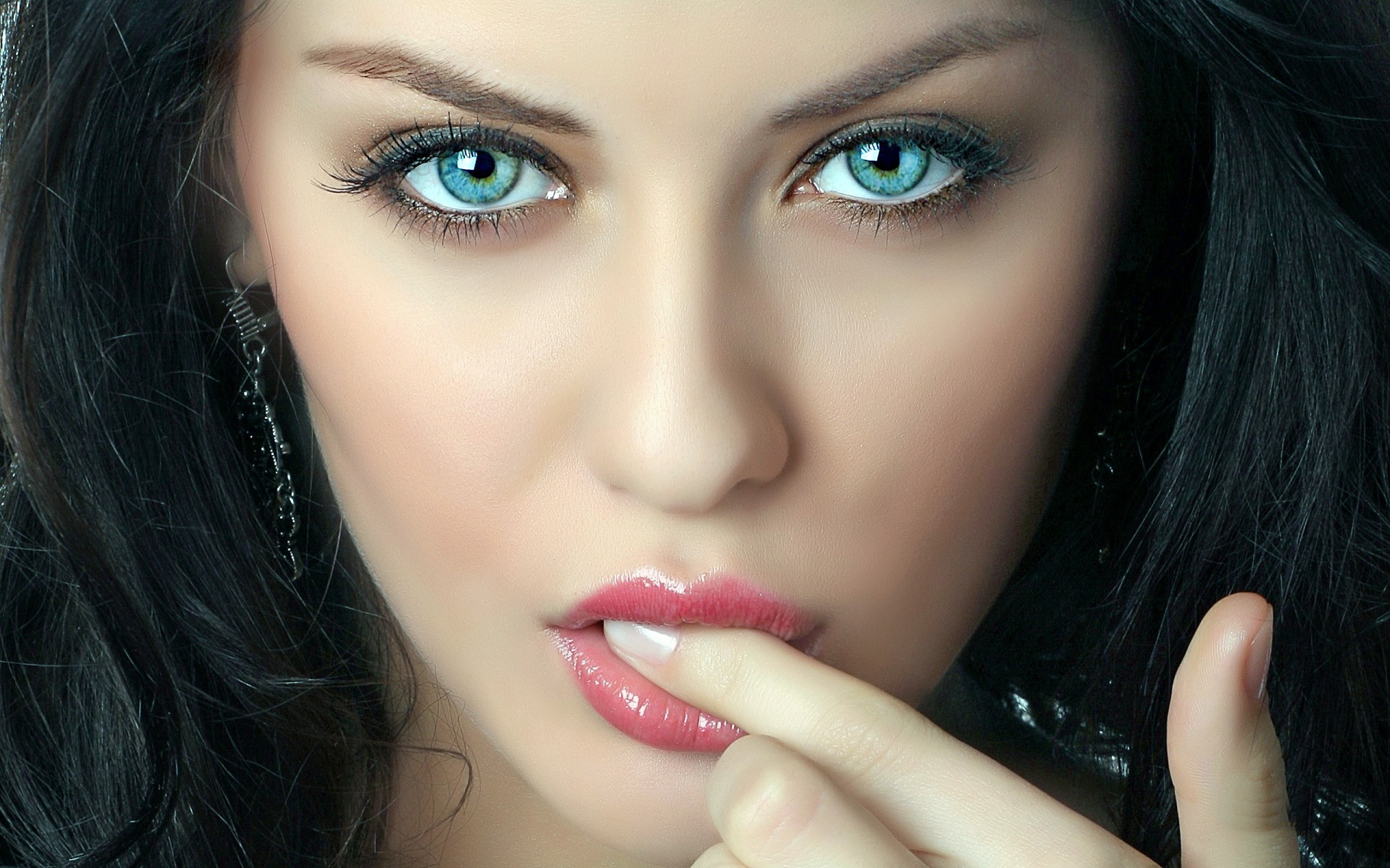 Feed Pictures – Beautiful Eyes Lips Wallpapers In Hd And Widescreen  Resolutions