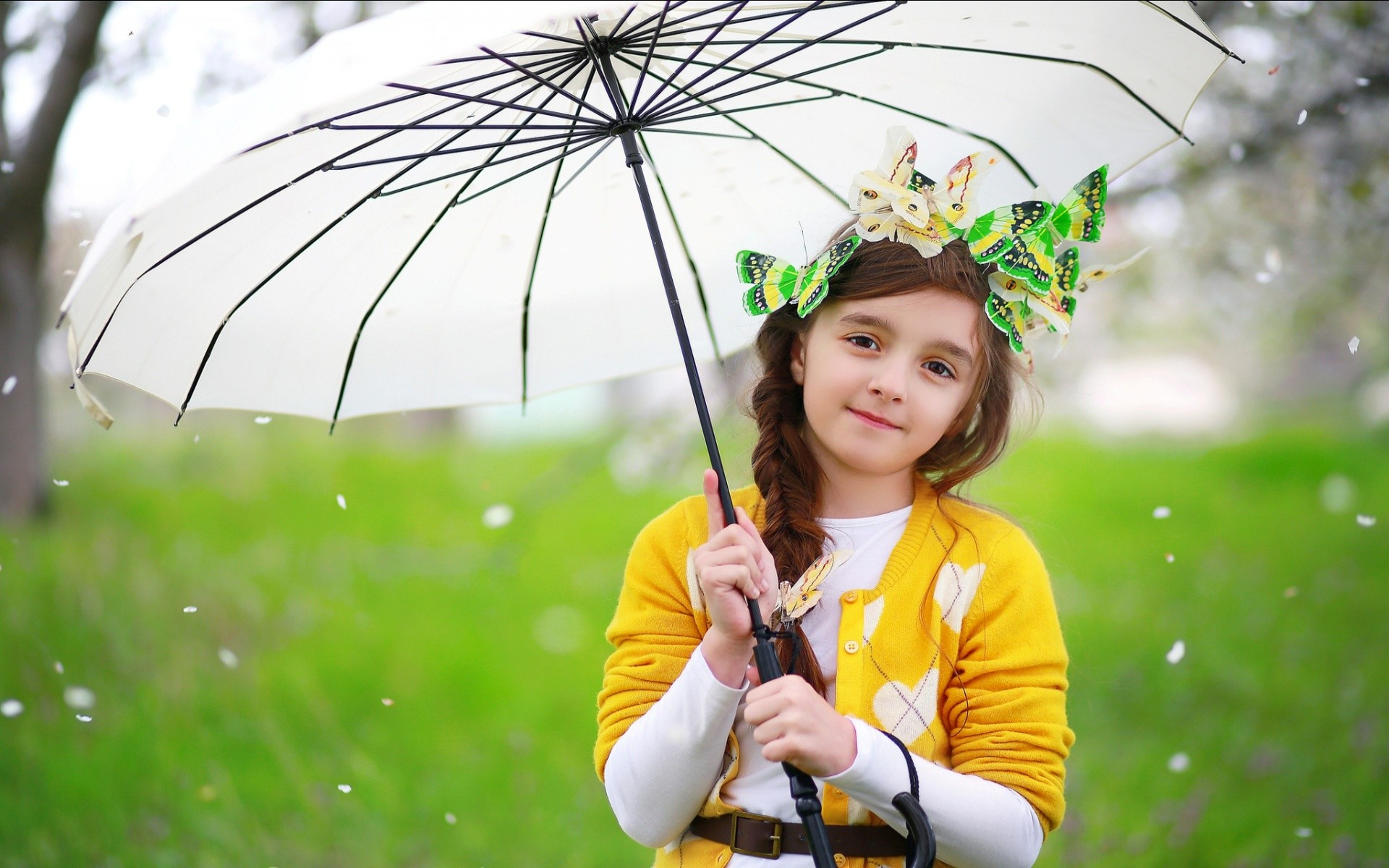 Find out: Cute Baby Girl with White Umbrella wallpaper on https://hdpicorner