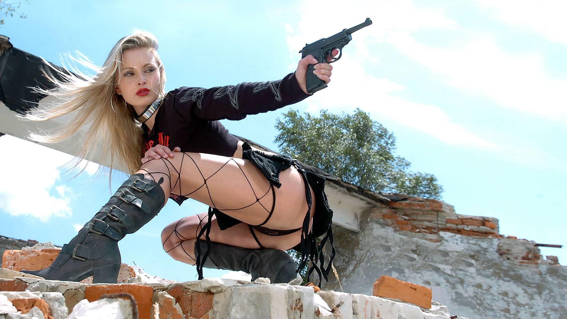Girls With Guns Hd Wallpapers | Free HD Desktop Wallpapers .