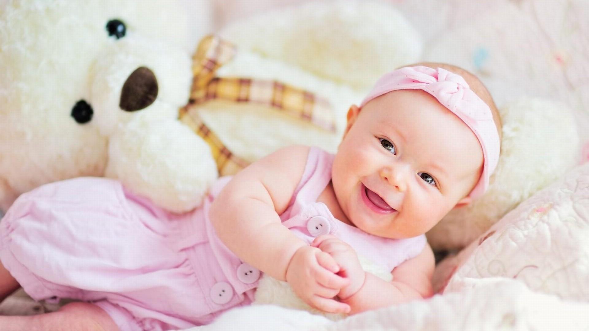 Smiling Baby Girl Desktop Wallpapers
