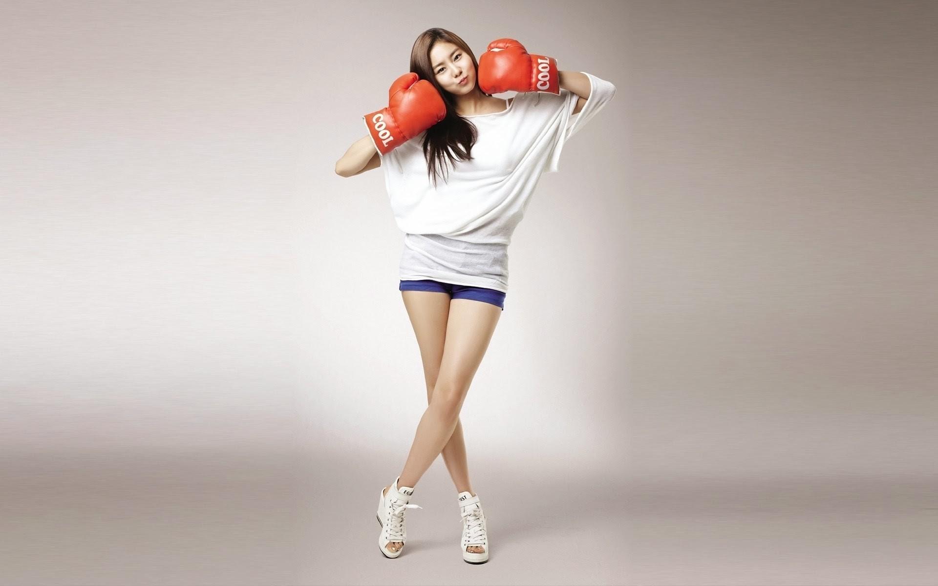 Asian Sports Girl Wallpaper