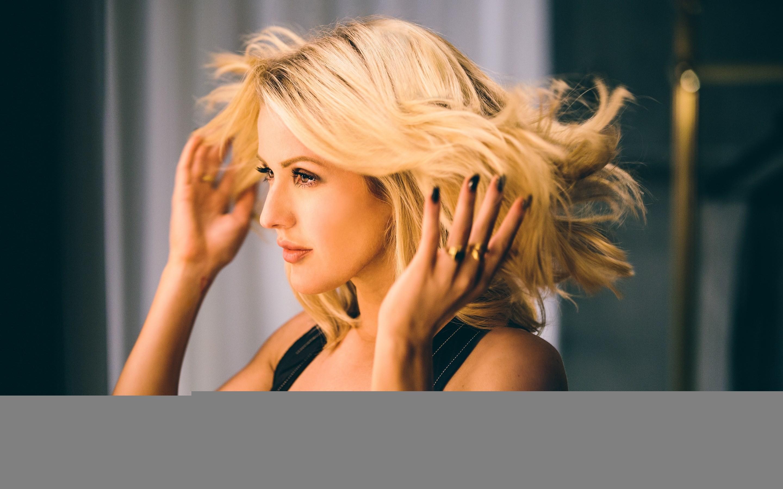 Ellie Goulding, HD. Original Resolution: 2880×1800