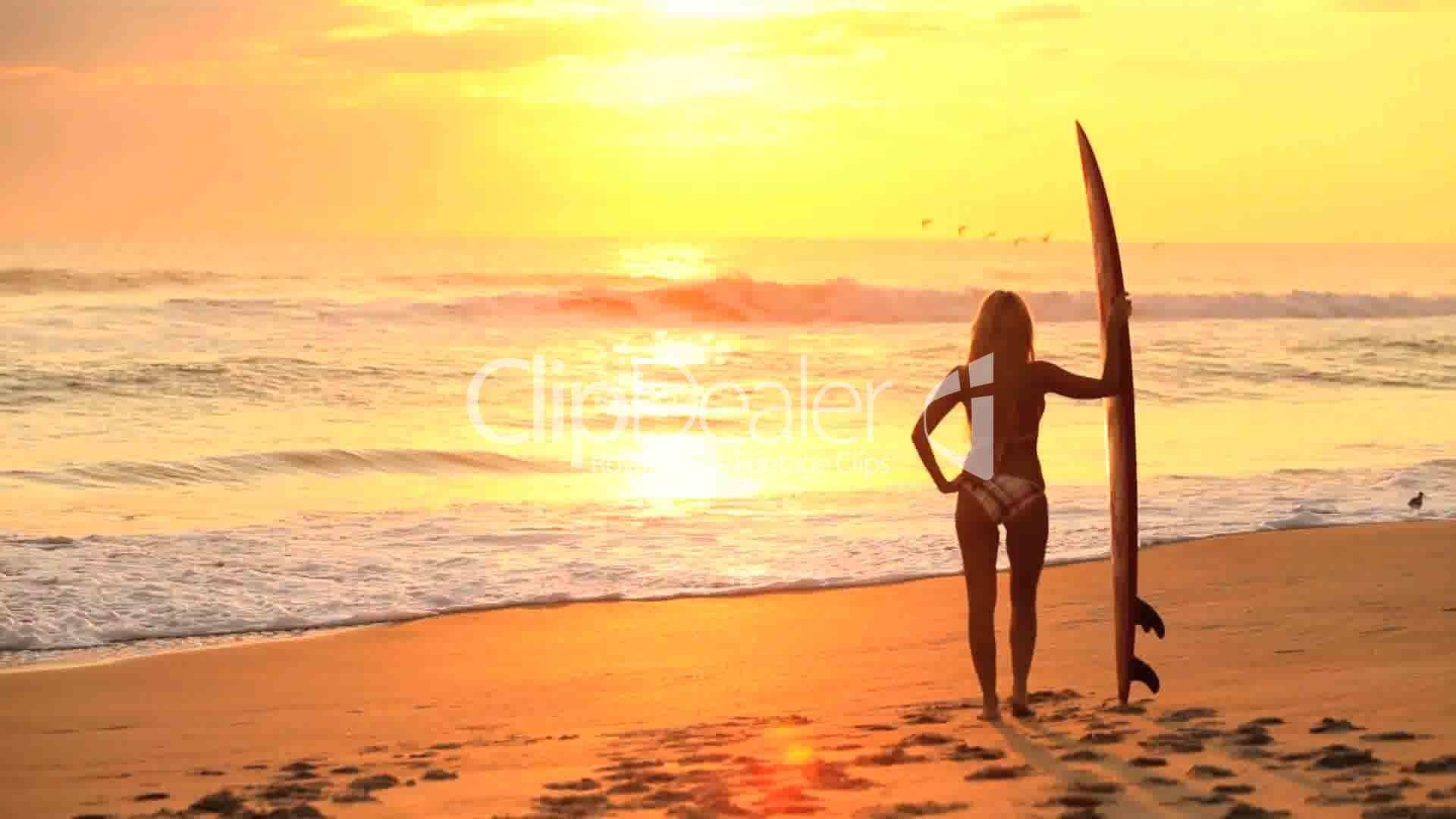 13–934789-Surfer Girl at Sunrise.jpg (1920×1080)