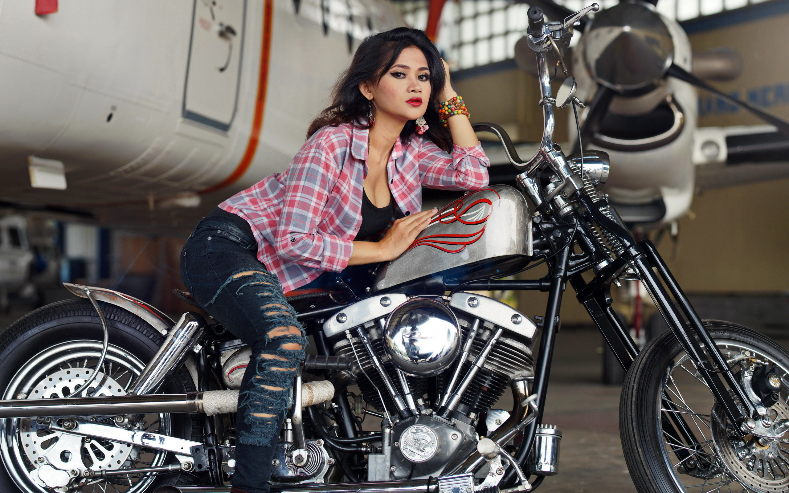 Photo Girls Motorcycles Formal shirt Jeans 2560×1600