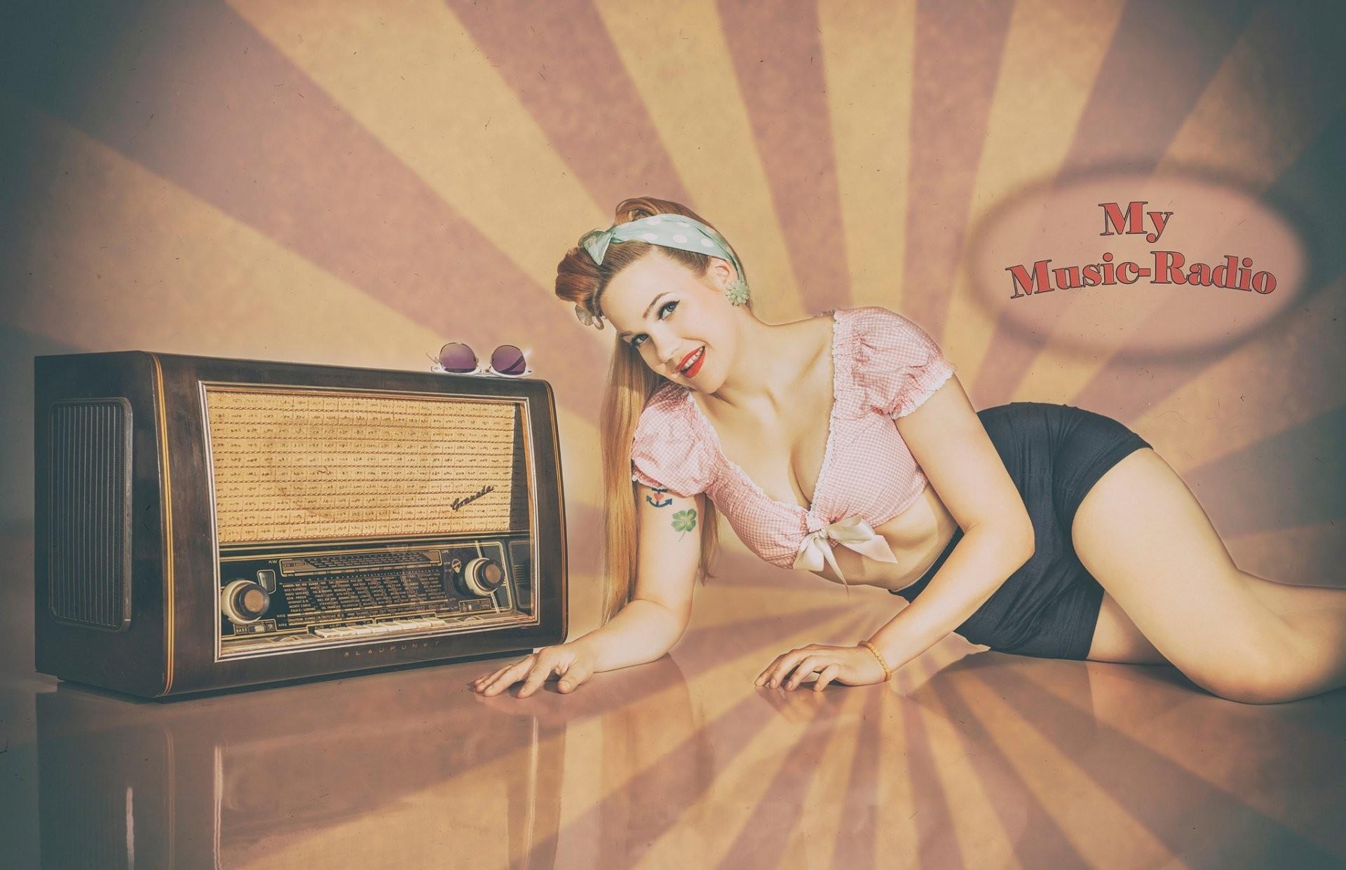 radio time retro girl pin-up