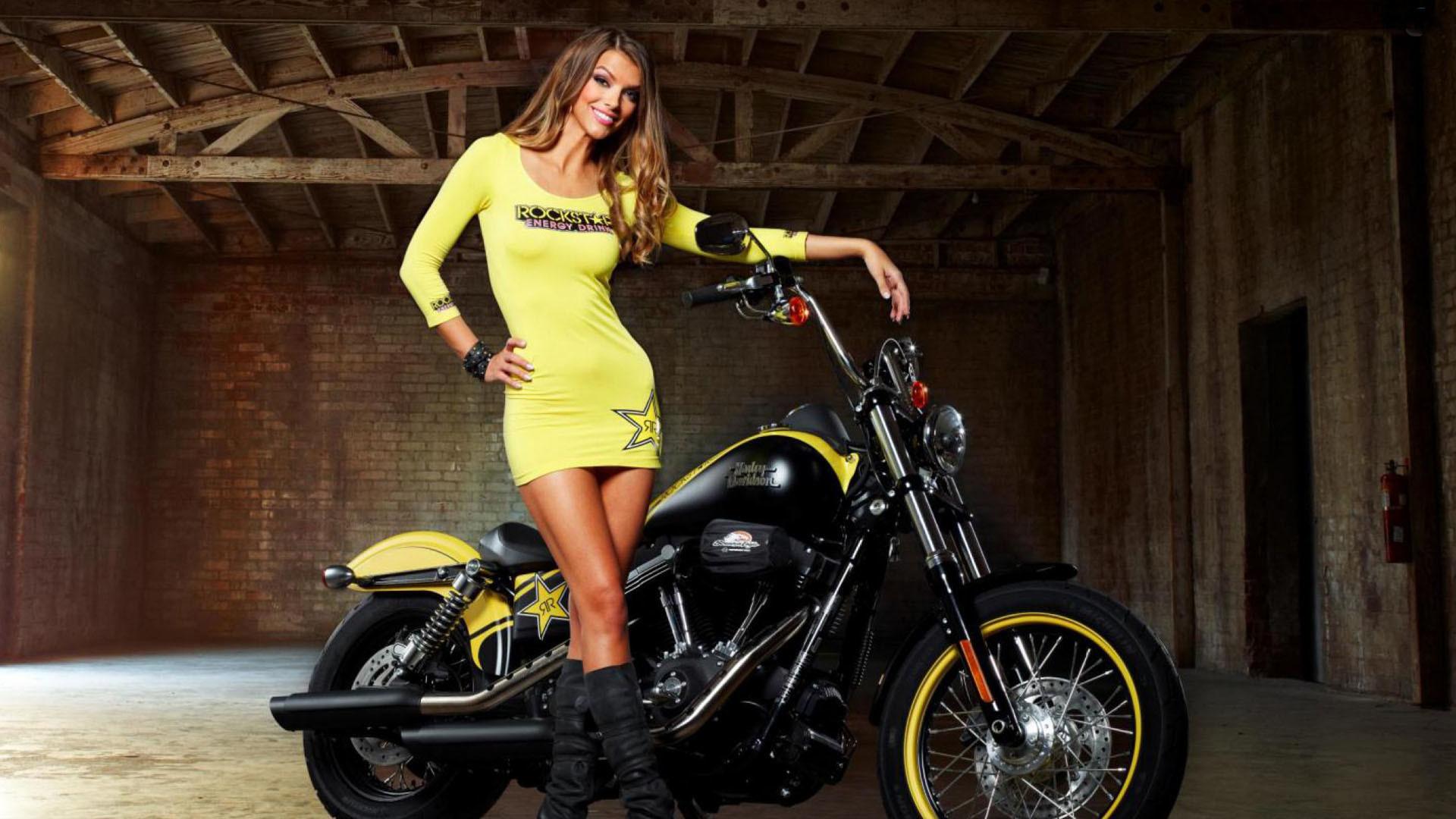 Beauty Girl In Bike HD Wallpaper