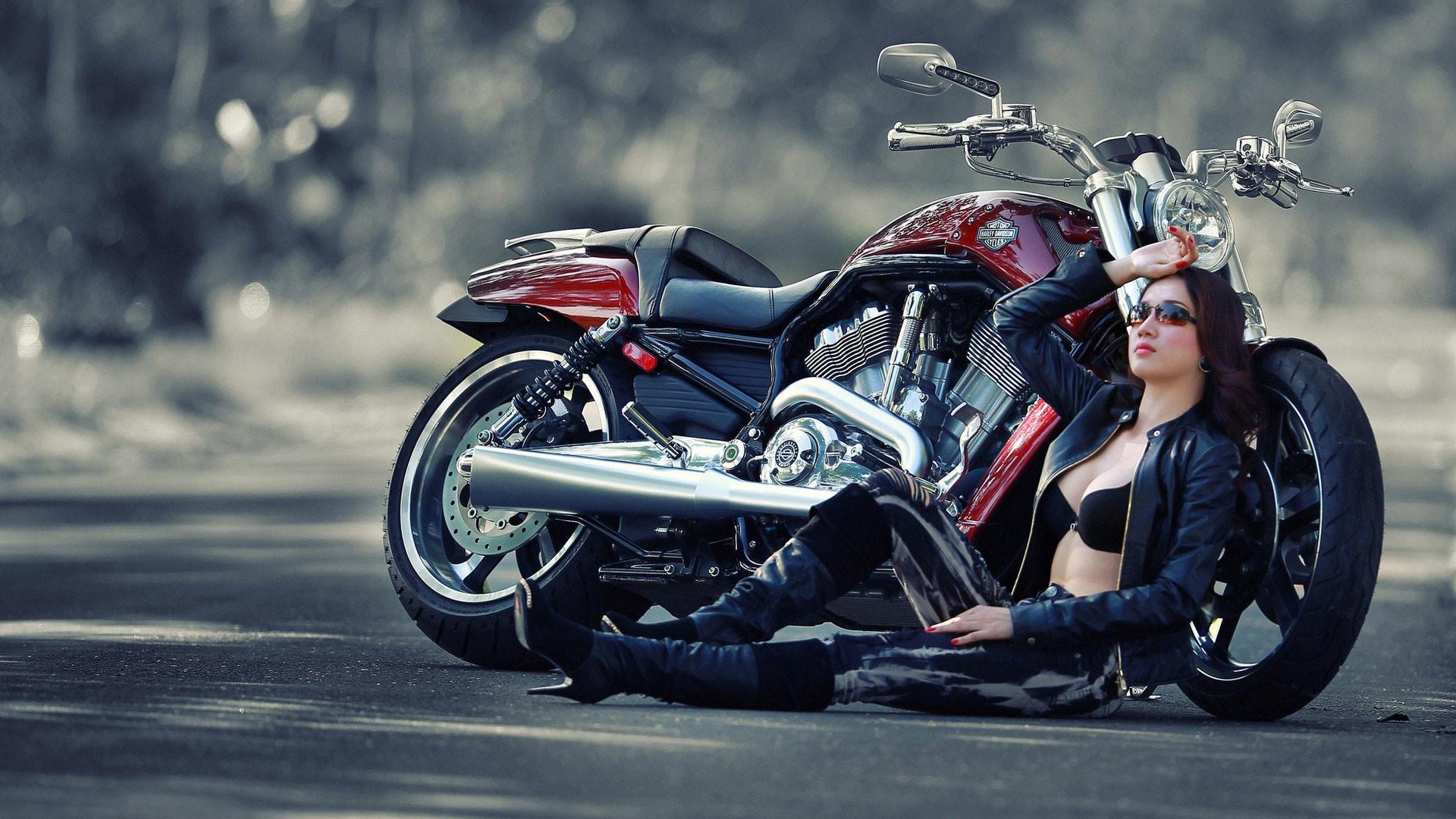 hd-pics-photos-bikes-girl-desktop-background-wallpaper