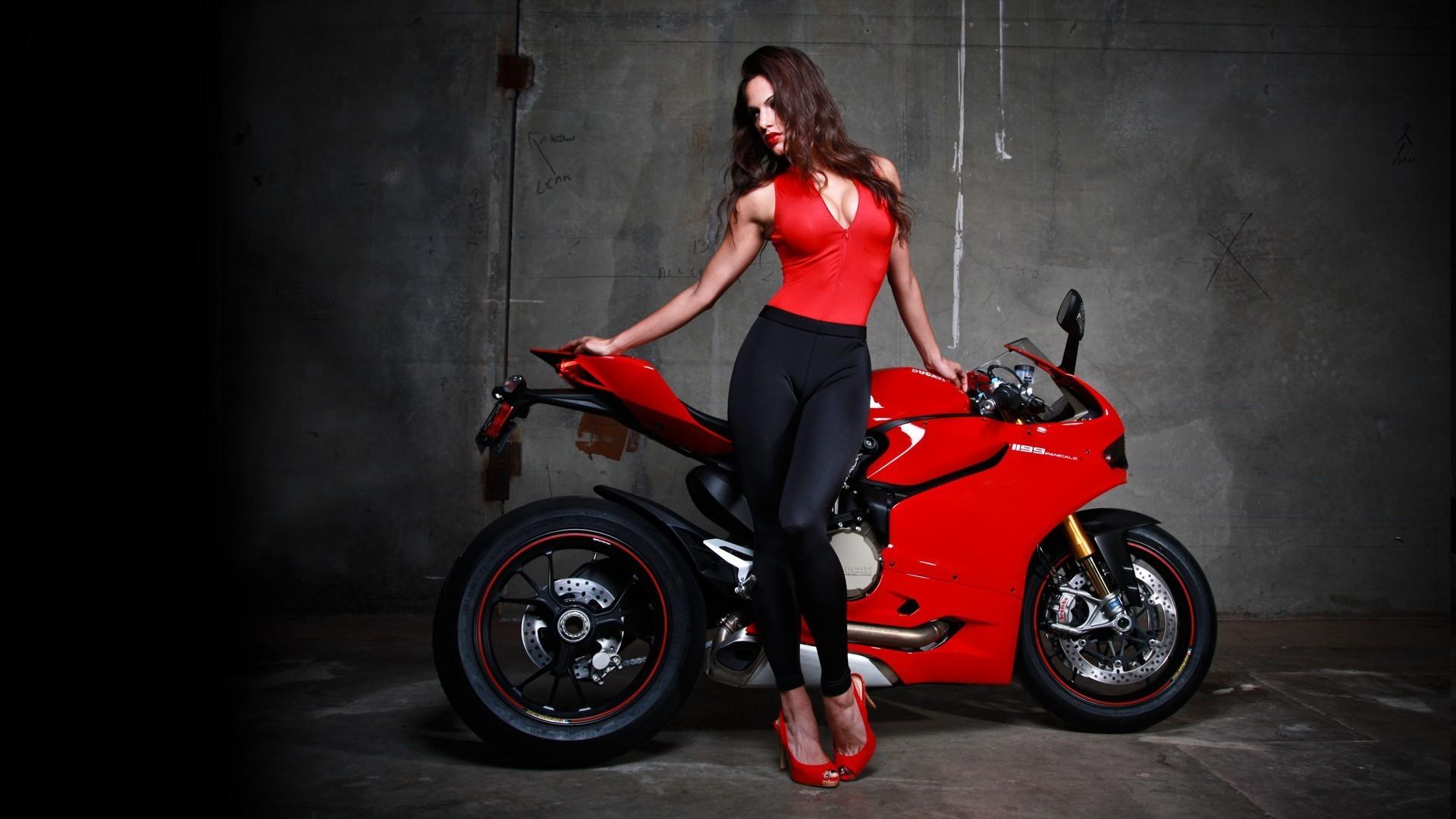 Download Red Bike Ducati Superbike Wallpaper