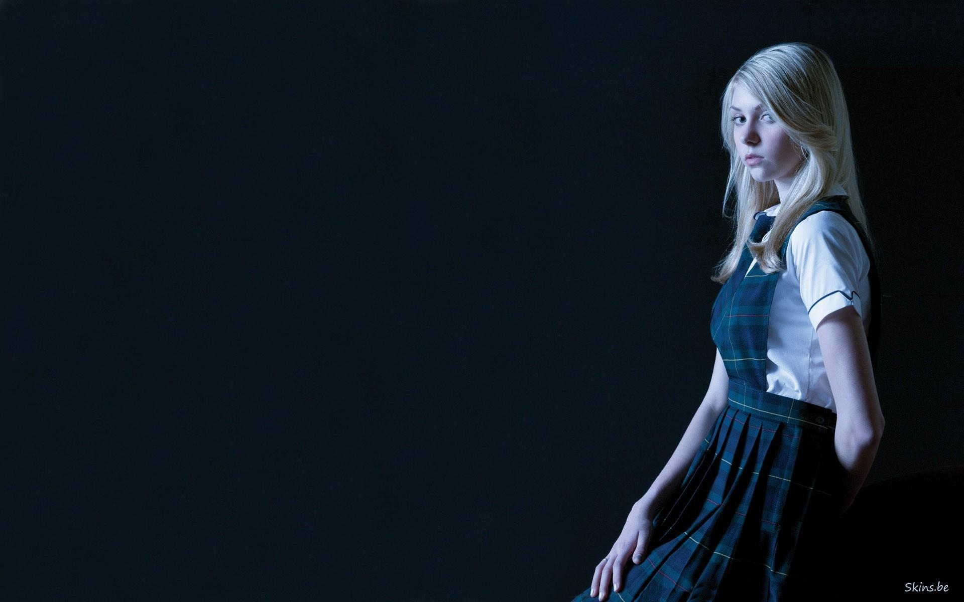 Music – Taylor Momsen Wallpaper