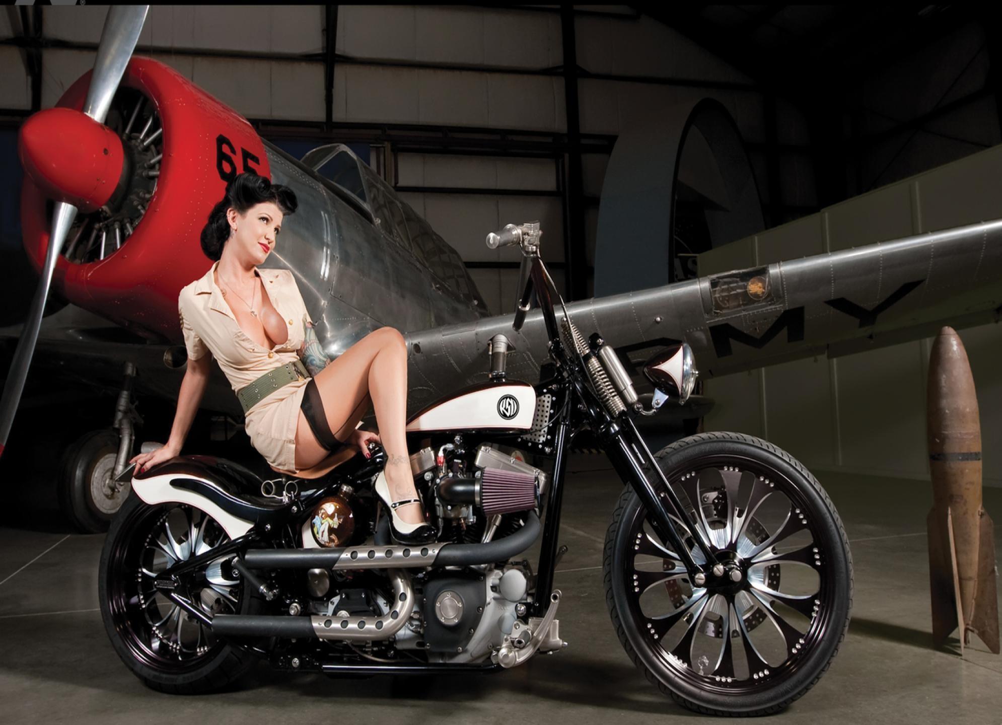 HD Vintage Motorcycle Girl Wallpaper