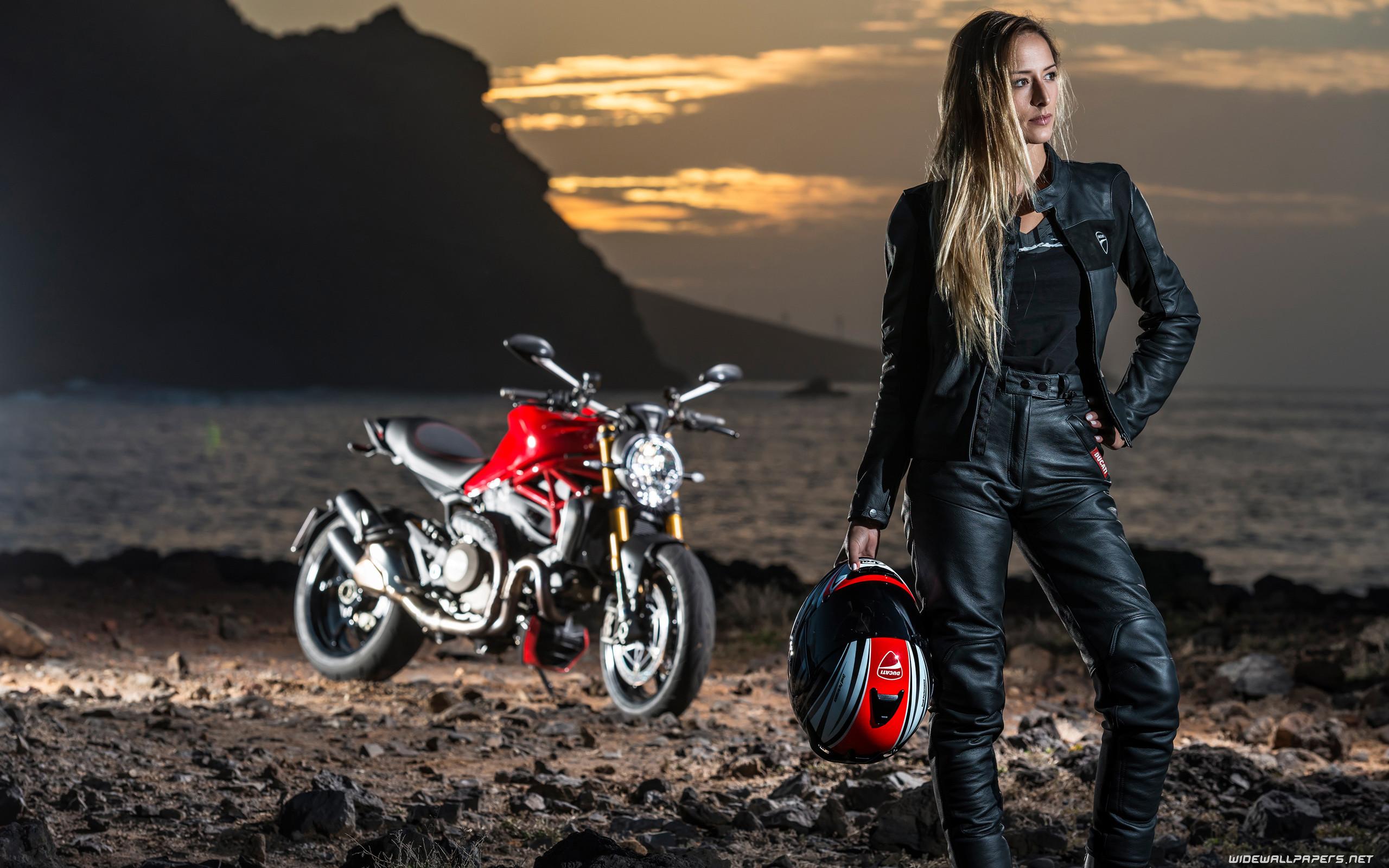 Bike and Girl 2560×1440 3840×2160