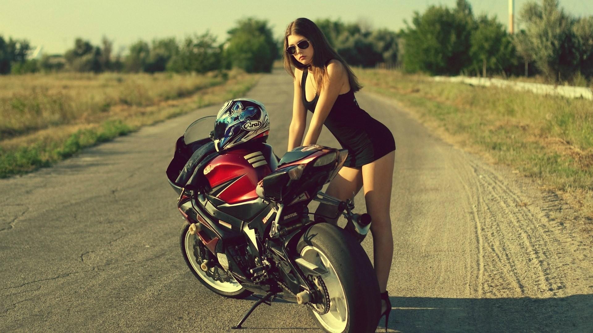 Girl with motorcycle Suzuki